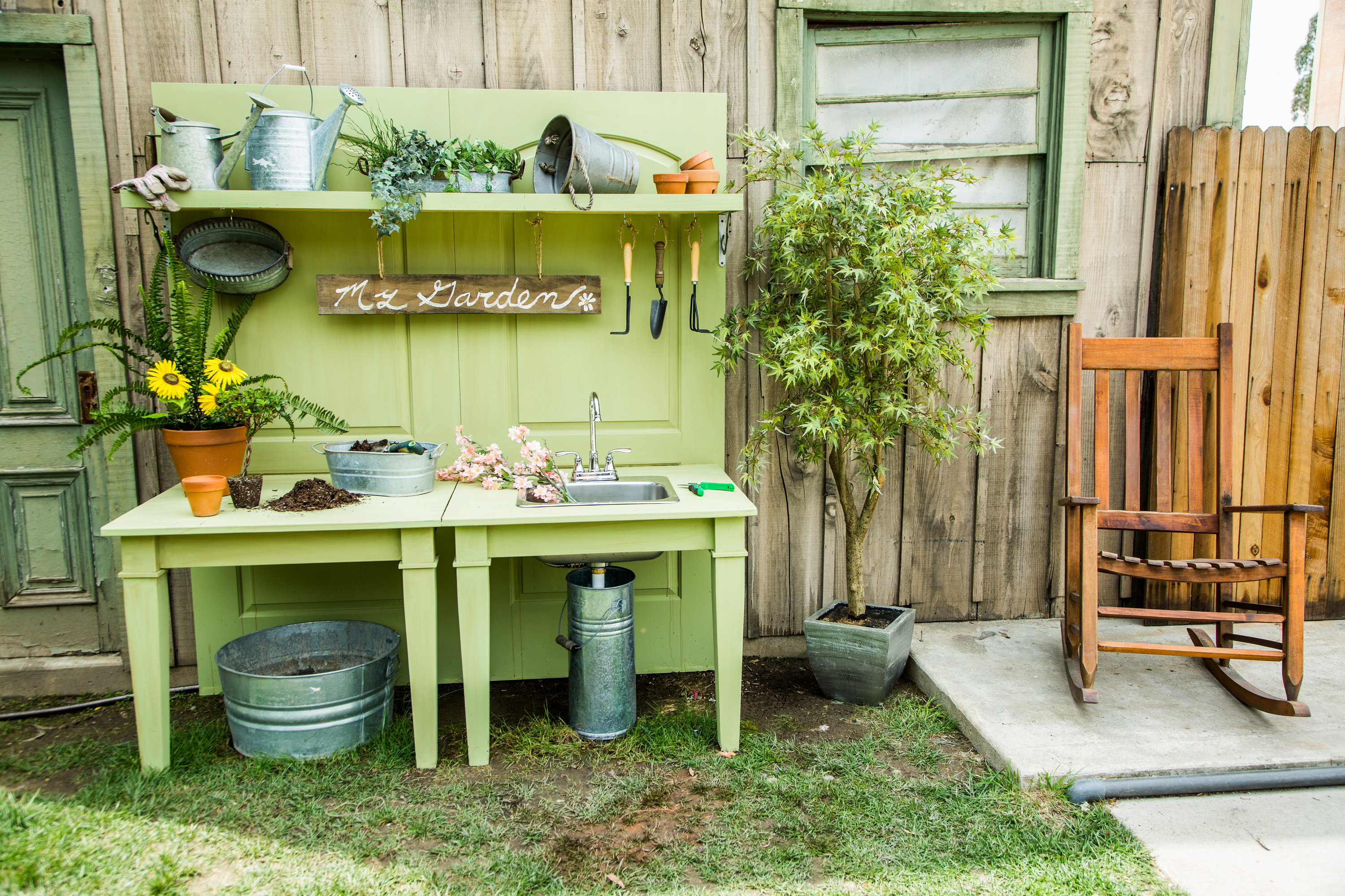 fantastic ceaf with potting potti on woodworks dream wind window rustic garden pb bench sink table