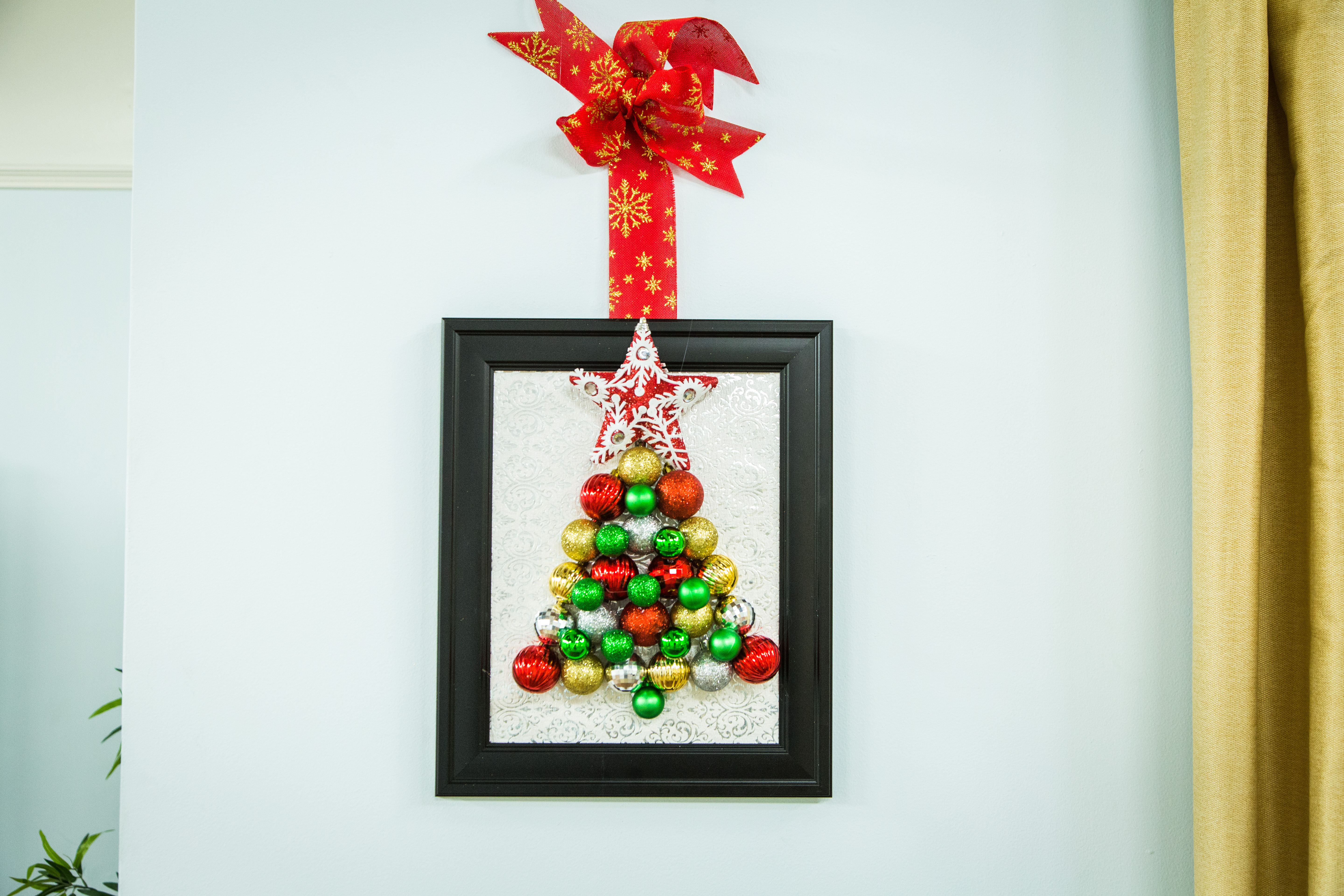 Christmas Wall Decor Diy : Diy ornament wall art
