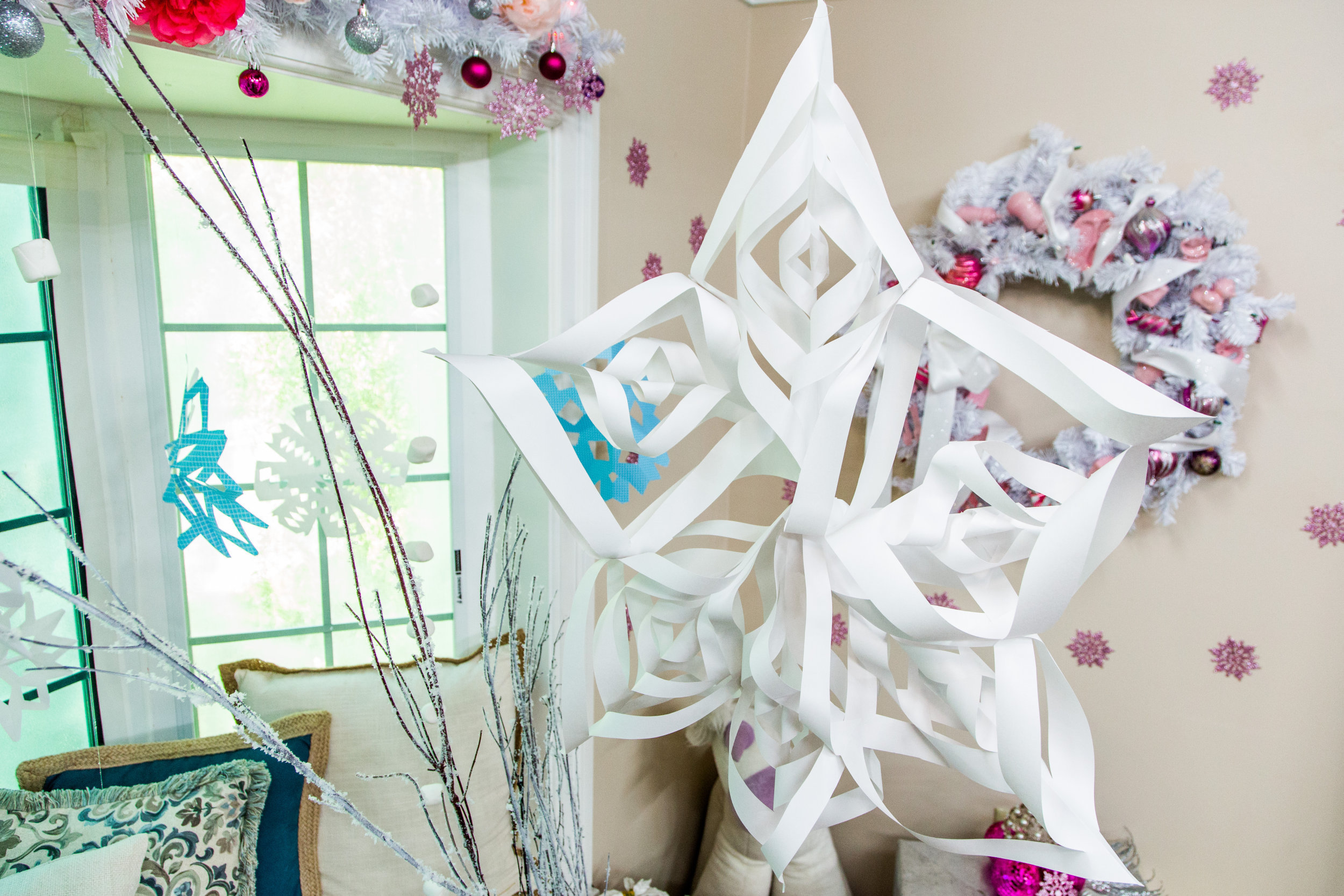 How-To - Tanya's DIY Christmas Wonderland Photo Backdrop - Home ...