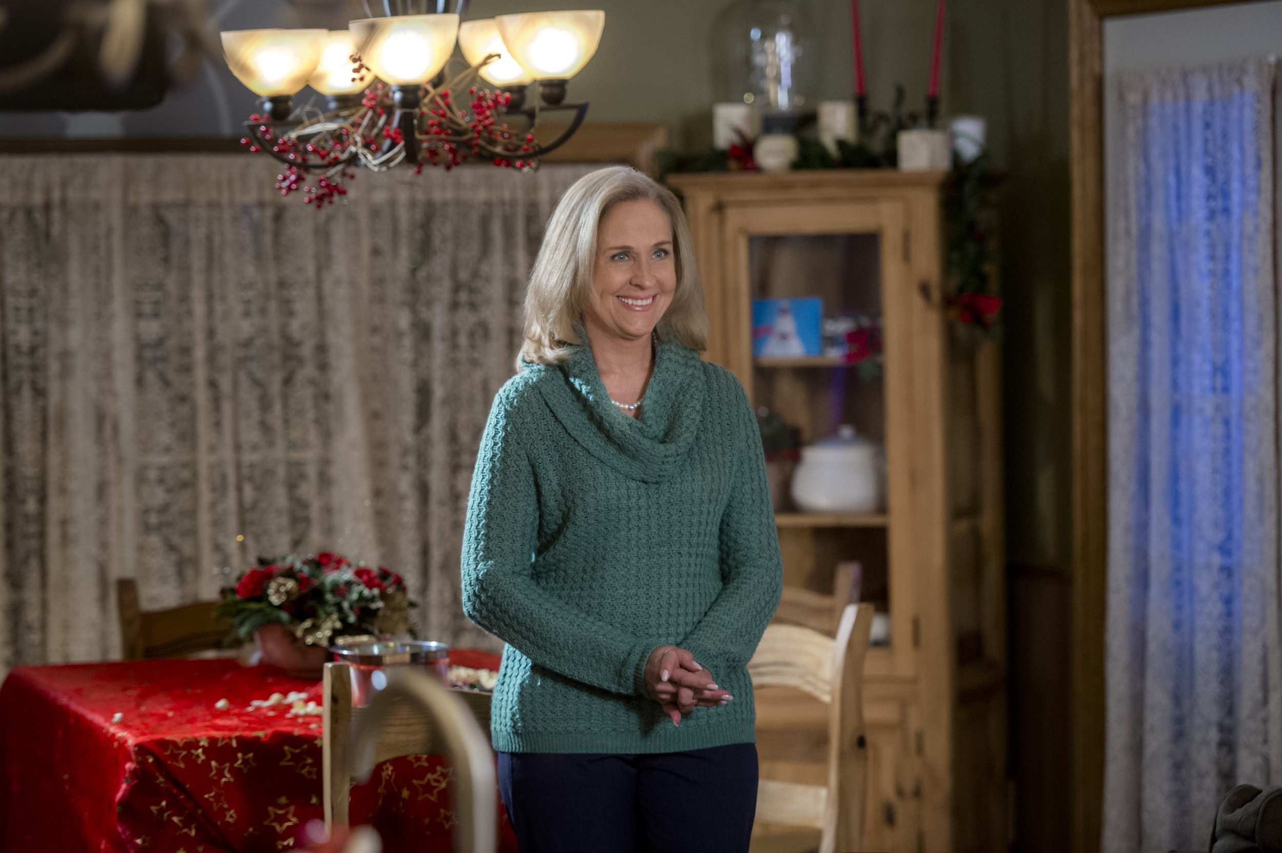 Susie Abromeit as Cynthia on A Perfect Christmas | Hallmark Channel