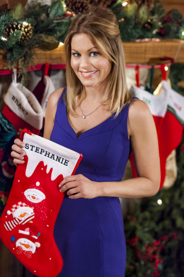 Candace Cameron Bure as Stephanie on Let It Snow | Hallmark Channel