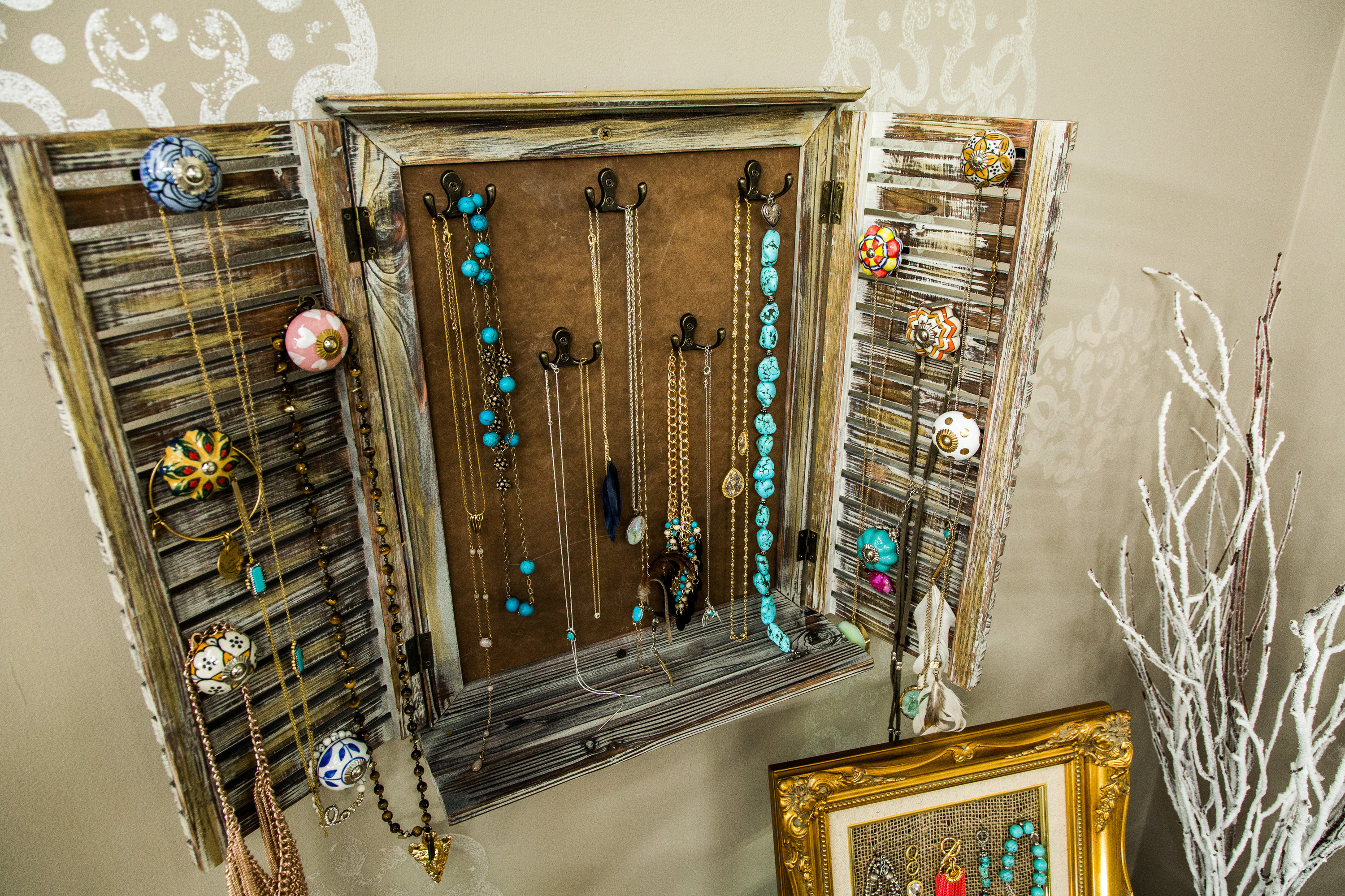 How To Home Family DIY Rustic Jewelry Rack Hallmark Channel
