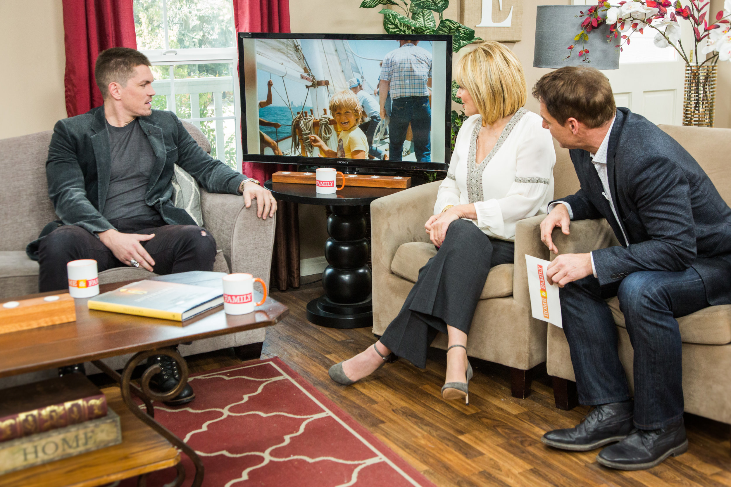 Hollywood steals home and family - Hollywood Steals Home And Family 48