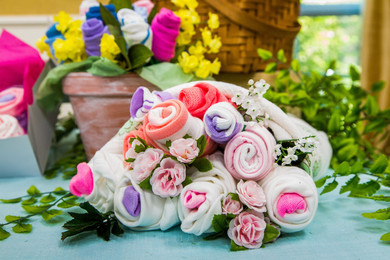 How To - DIY Onesie & Sock Cupcakes & Bouquet   Hallmark Channel