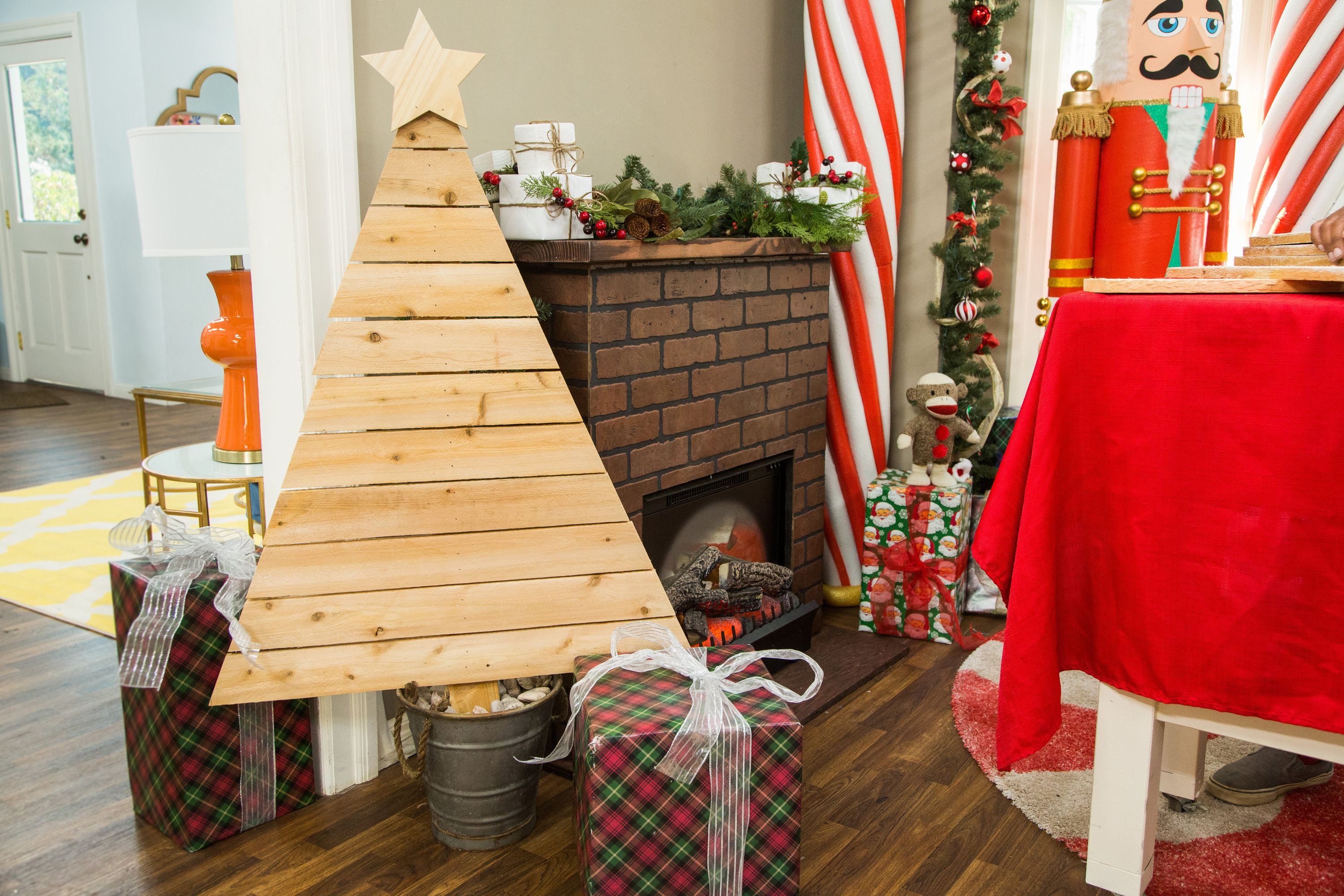 how to diy wooden christmas tree hallmark channel - Wood Christmas Tree