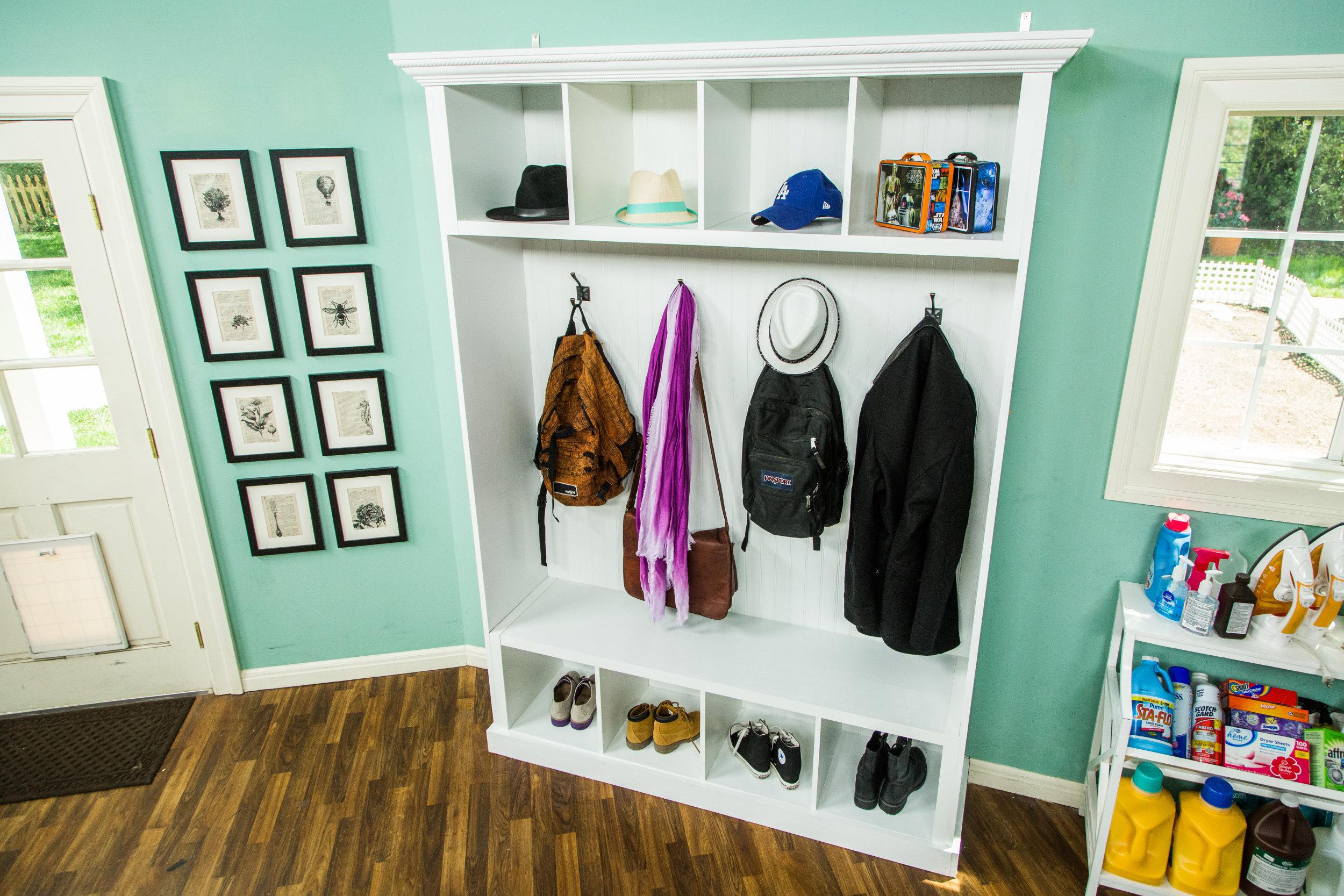 how to diy mudroom storage home family hallmark channel - Mudroom Tfelungen Bilder