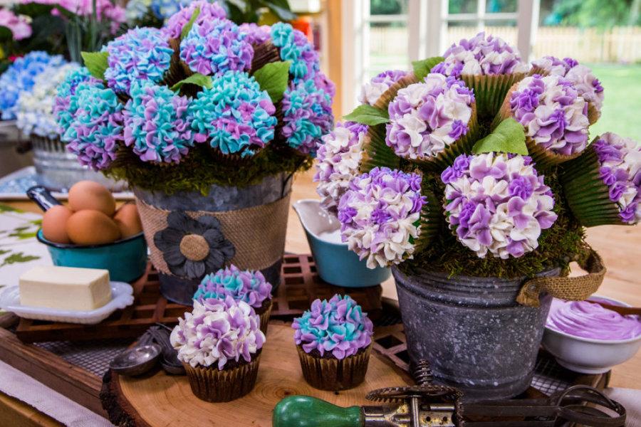 Cristina Cooks: Hydrangea Cupcake Bouquet | Home & Family | Hallmark ...