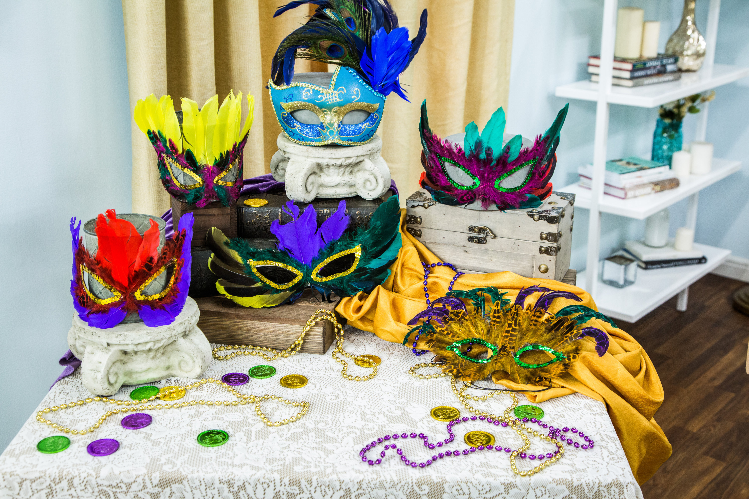 how to home family diy mardi gras mask hallmark channel. Black Bedroom Furniture Sets. Home Design Ideas