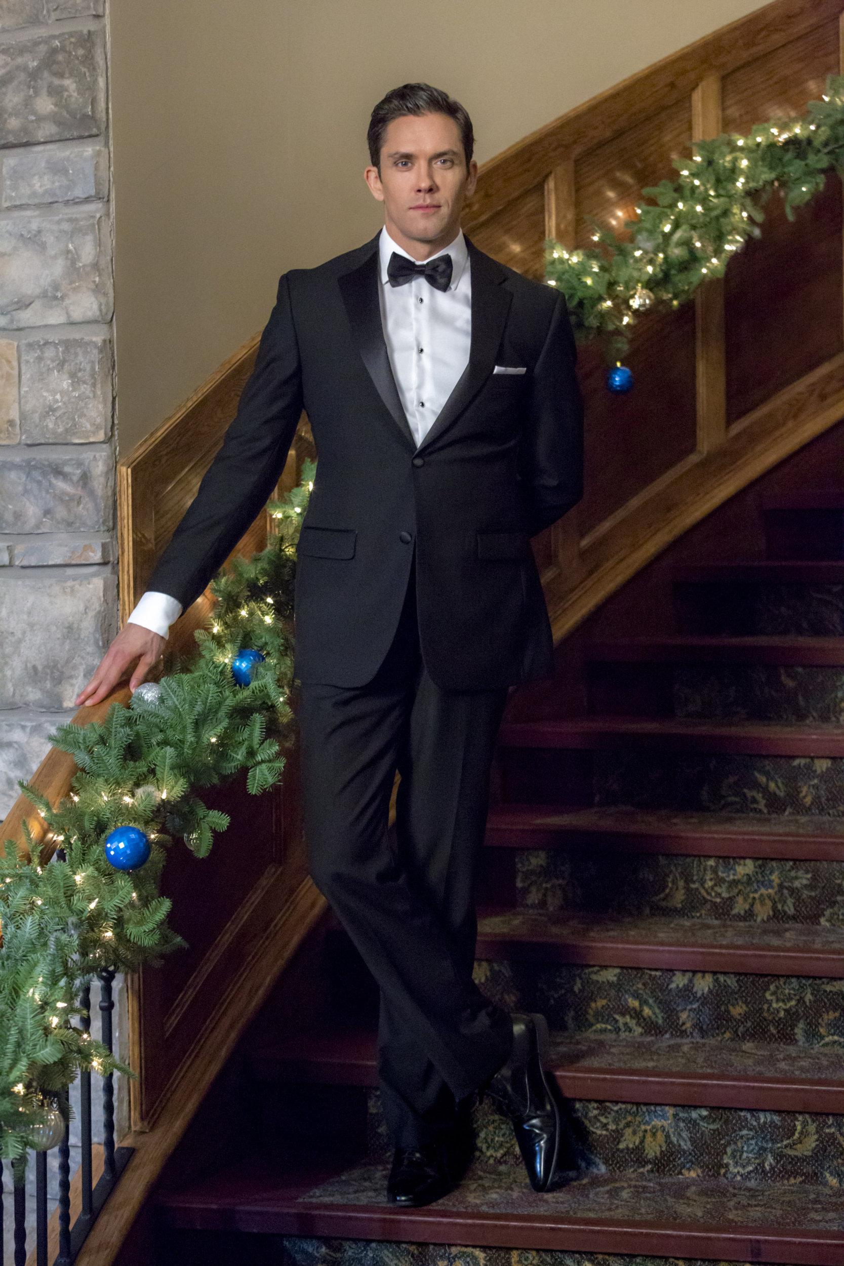 Neal Bledsoe on Coming Home for Christmas | Hallmark ...