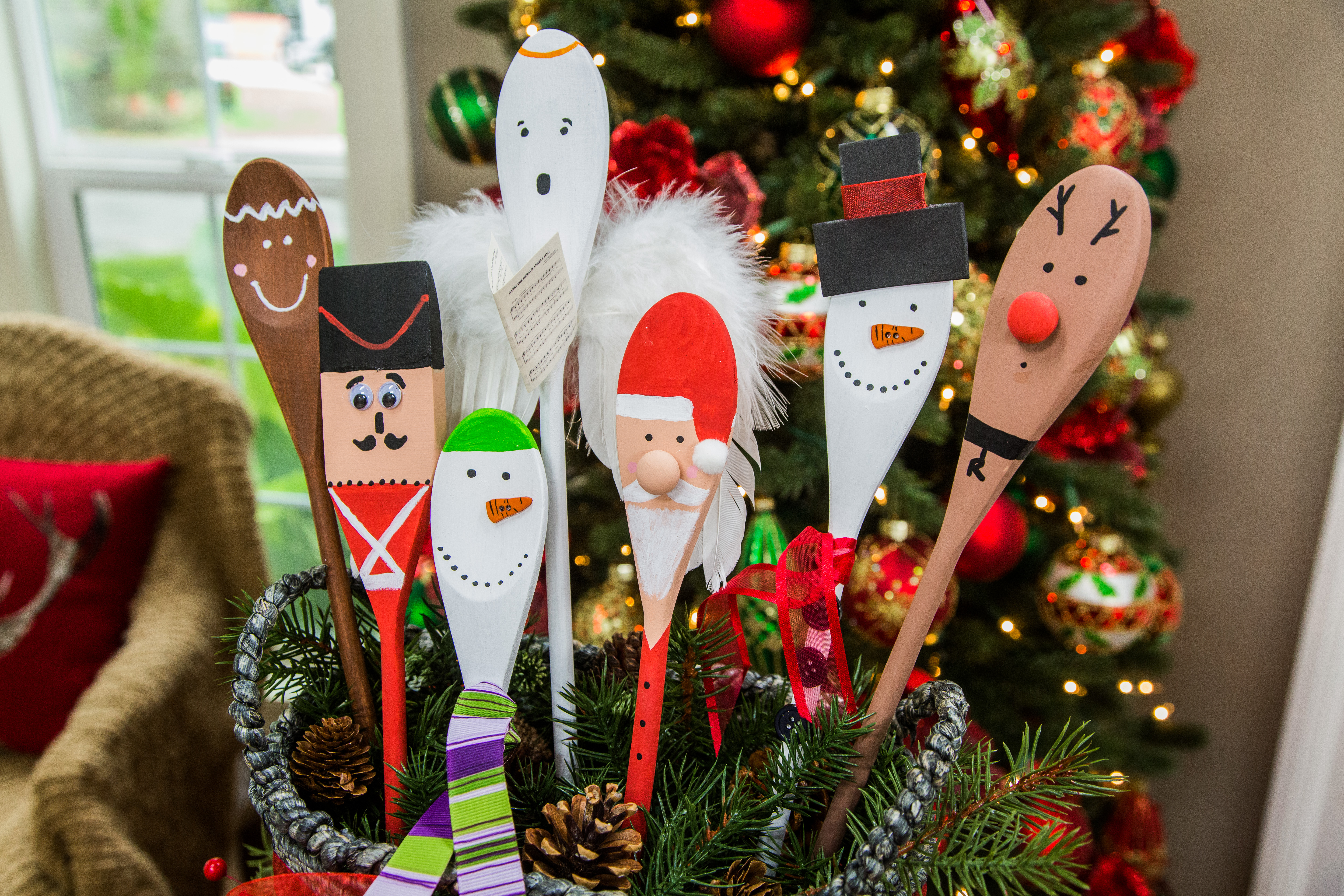 How To - DIY Christmas Spoons
