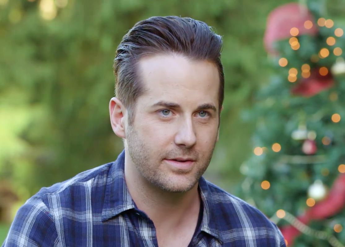 Interview   Niall Matter About Erin Krakow   Engaging Father Christmas |  Hallmark Movies And Mysteries
