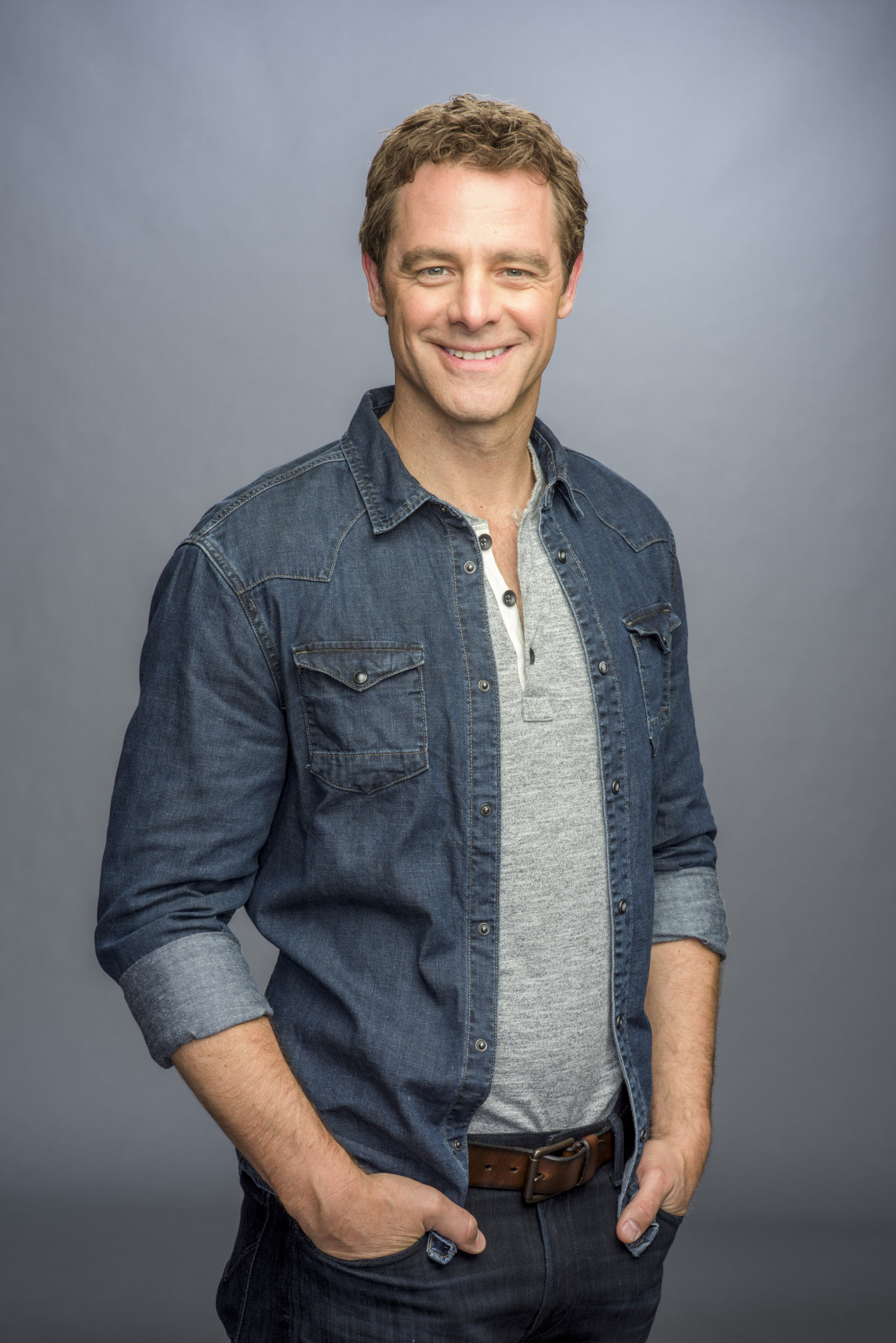 David sutcliffe as nick on charming christmas hallmark channel