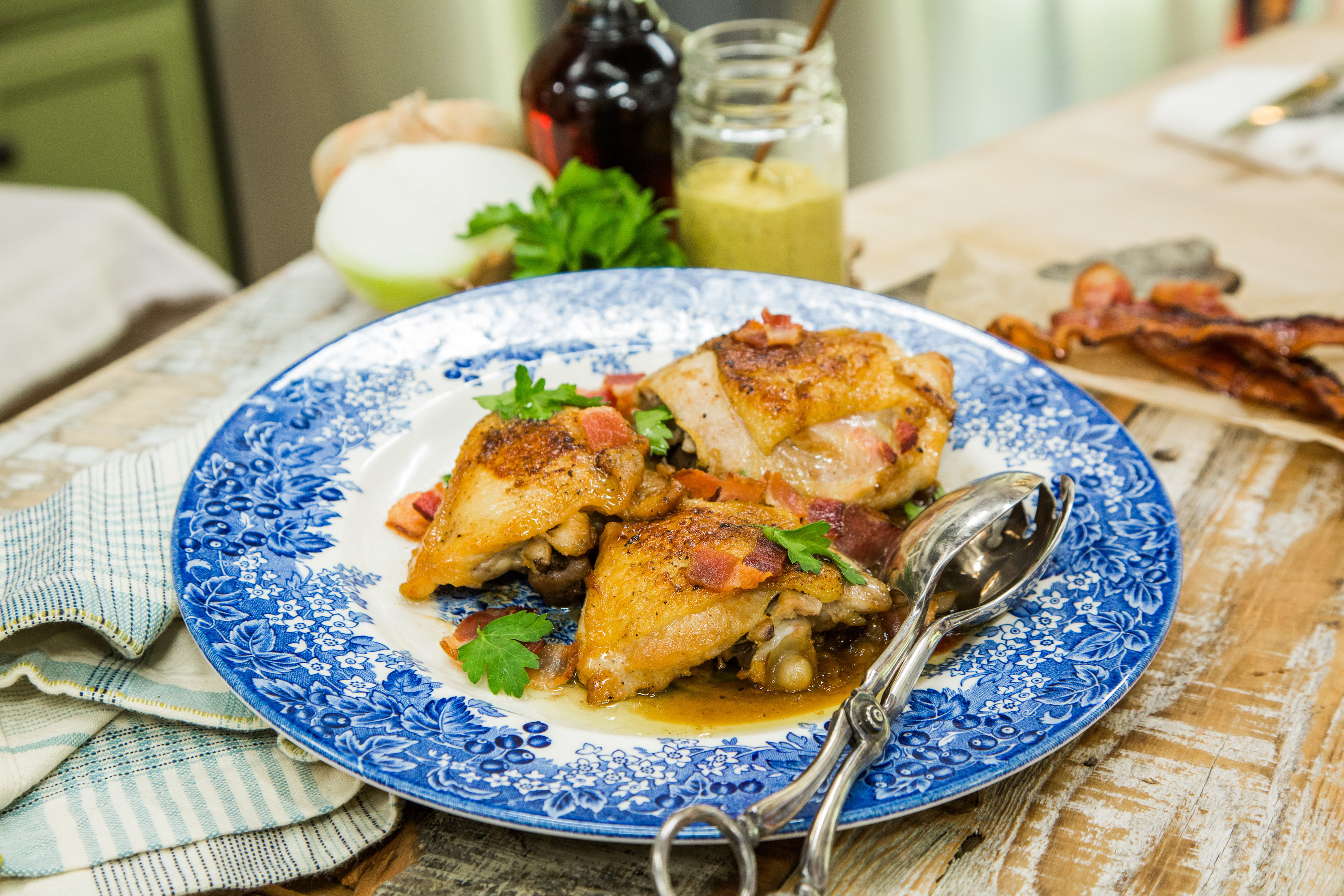 Recipes pan roasted chicken with bacon maple glaze hallmark channel forumfinder Image collections