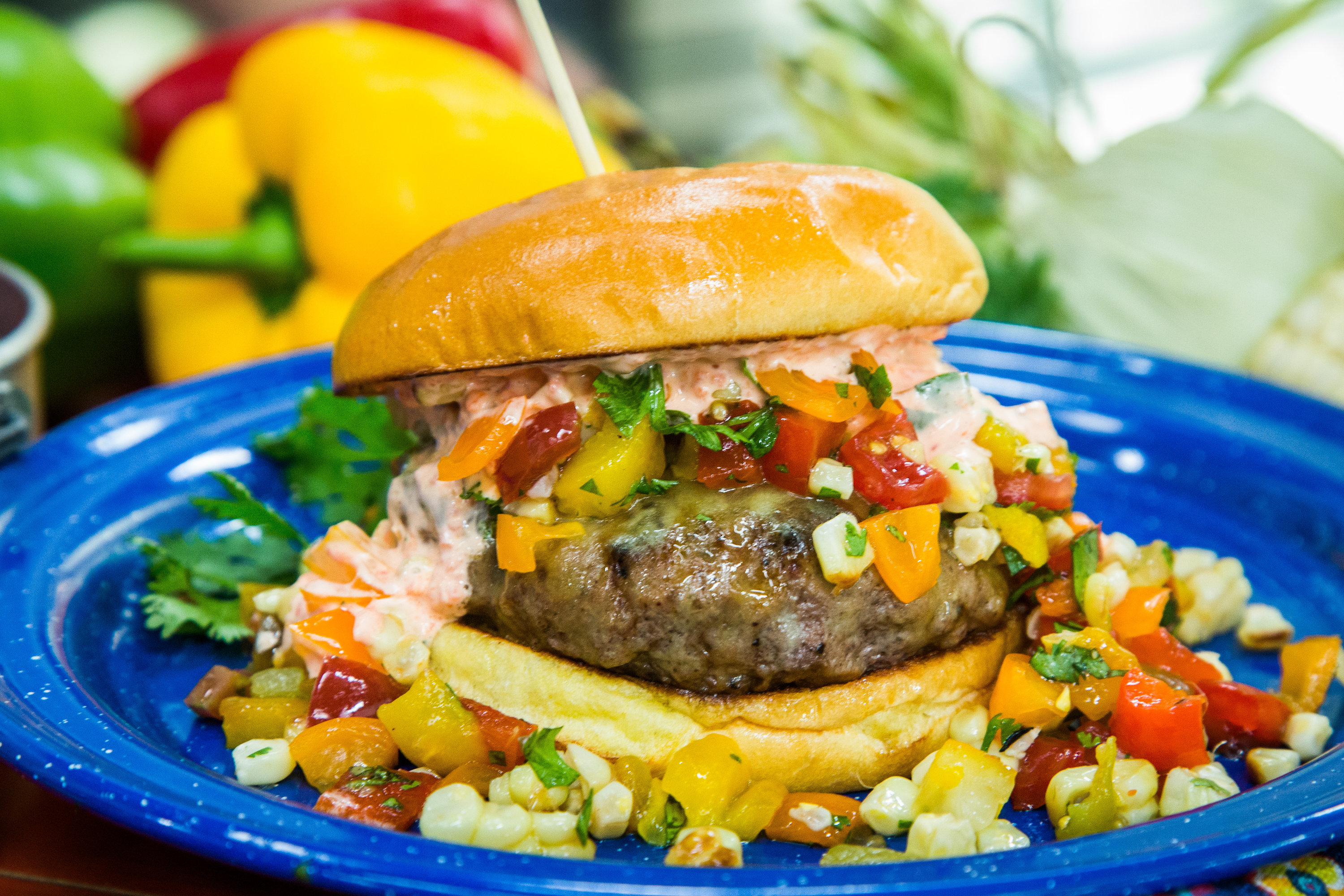 Hollywood steals home and family - Hollywood Steals Home And Family Summer Salad Burger