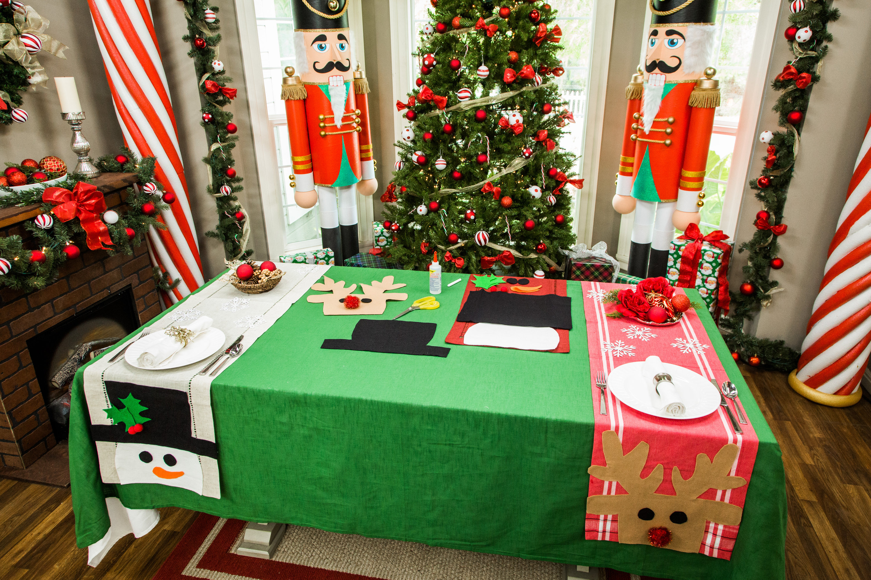 How To Maria s DIY Christmas Table Runner