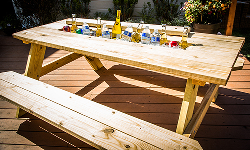 Mark 39 s diy picnic table cooler hallmark channel Picnic table with cooler plans