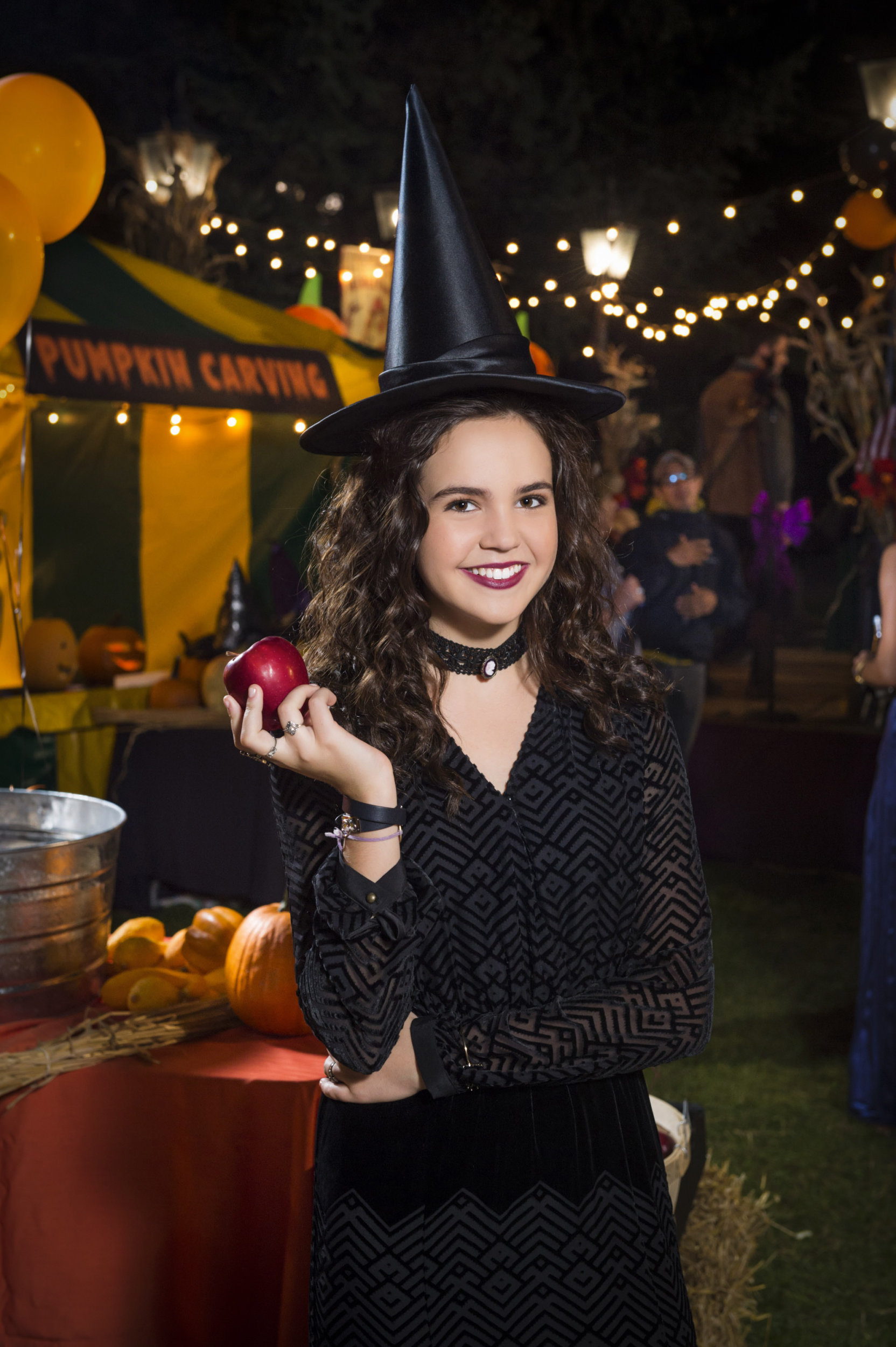 bailee madison - Halloween Actors 2017