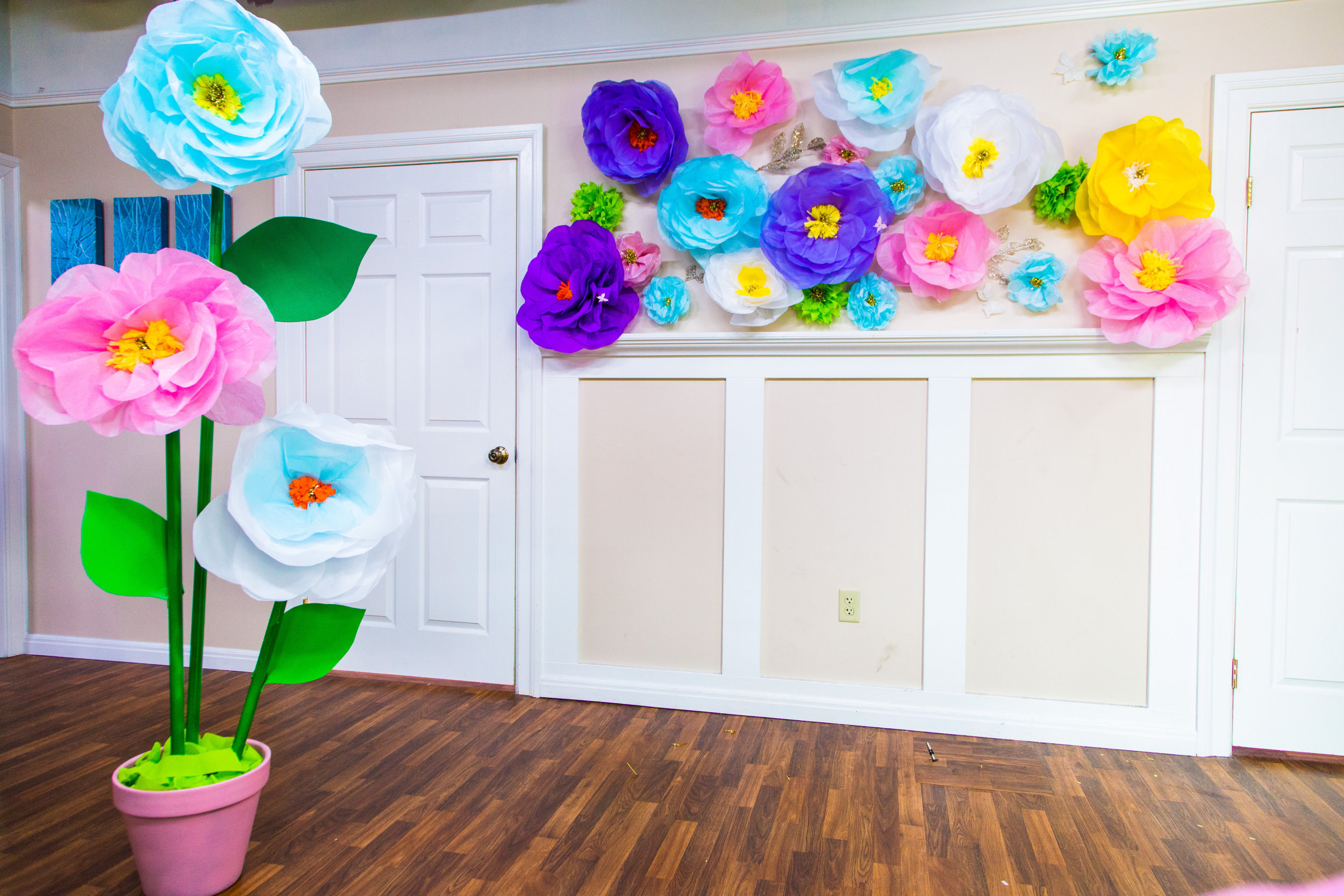 Tanya Memmes Diy Oversized Paper Mache Flowers Home Family