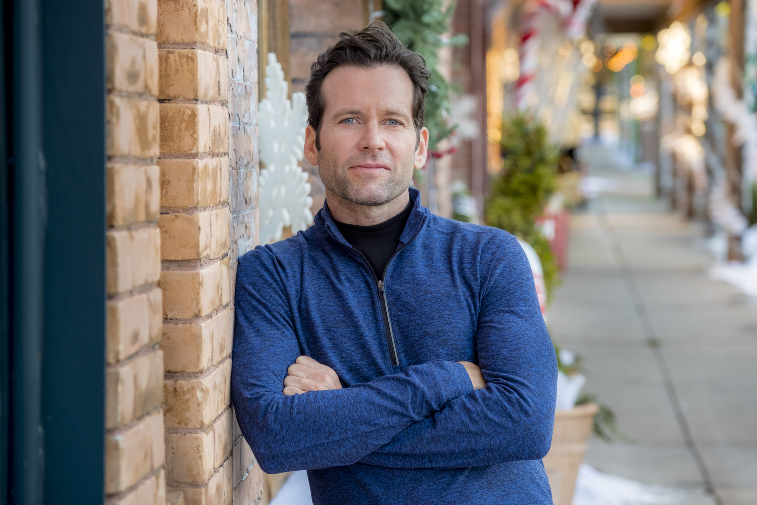 Switched For Christmas Cast.Eion Bailey On Switched For Christmas Hallmark Channel