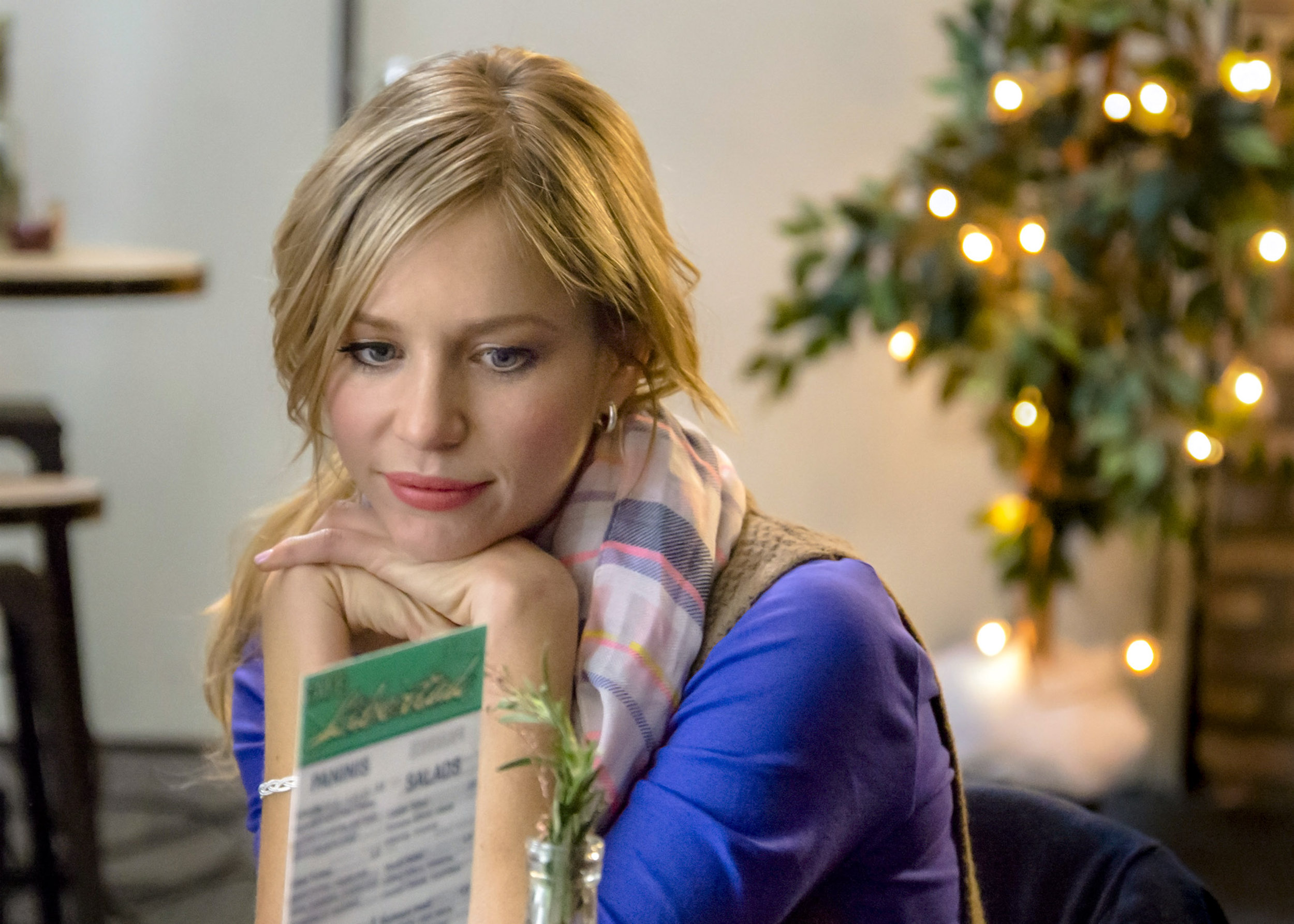 A Perfect Christmas Cast.Tara Holt As Jenny On The Perfect Christmas Present