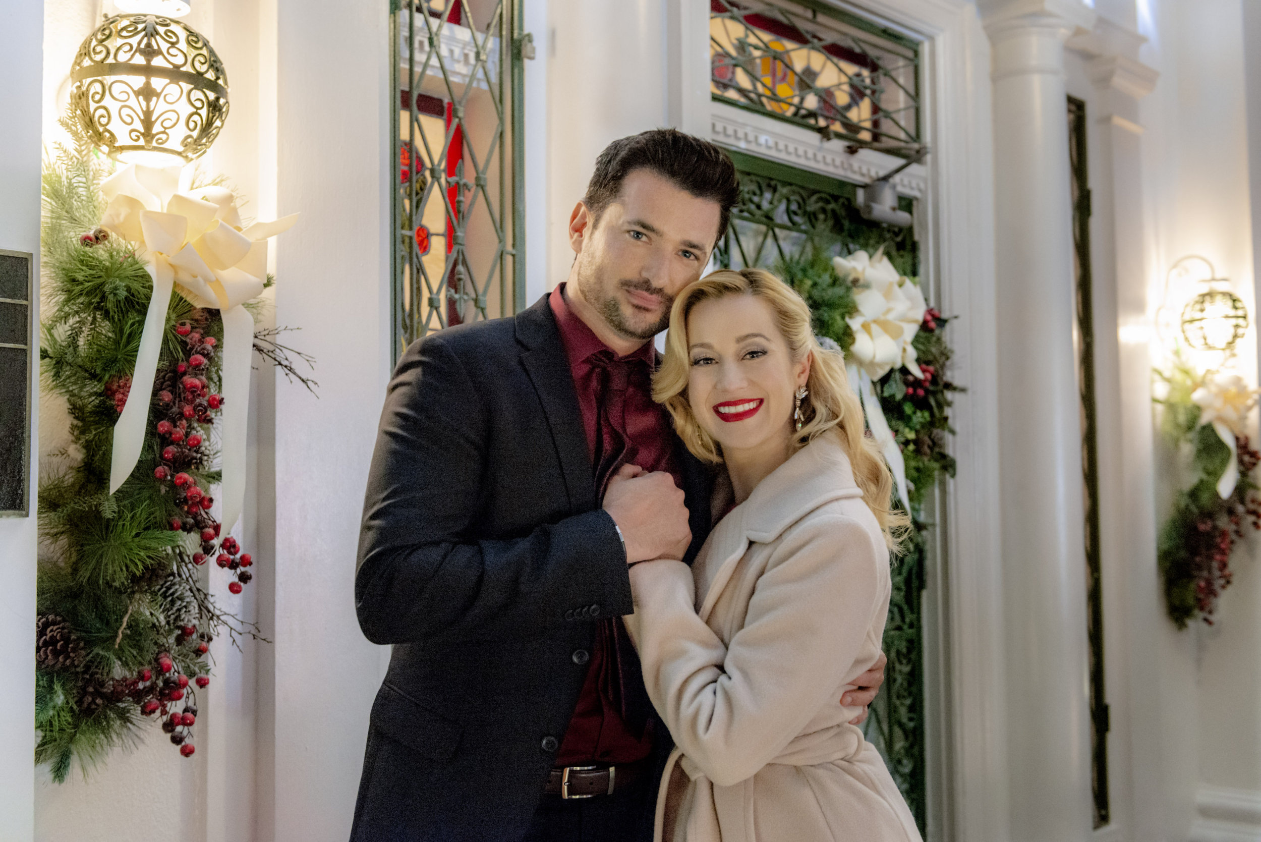 Christmas At Graceland Hallmark.Christmas At Graceland Cast Hallmark Channel