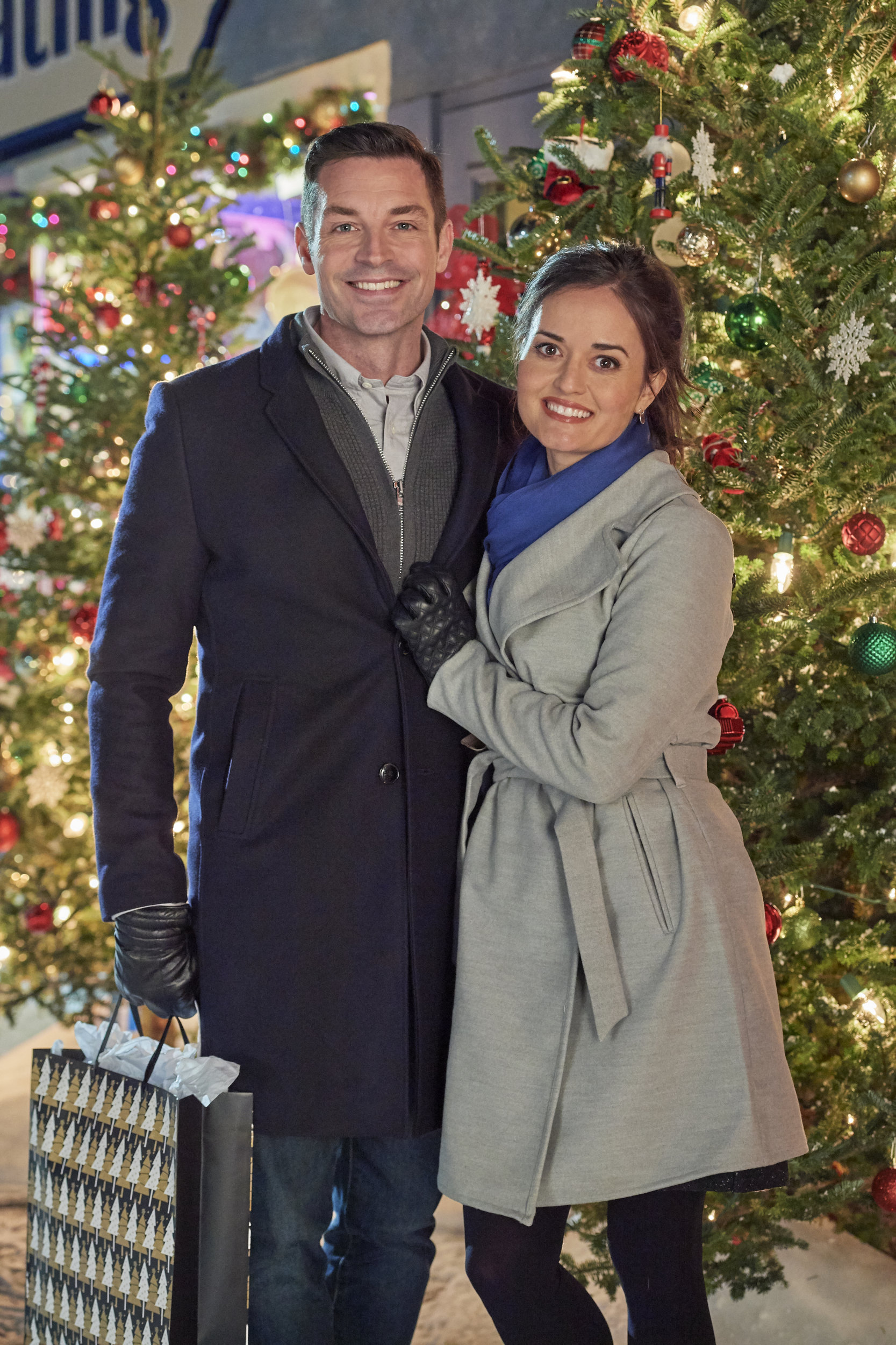Christmas At Grand Valley.Christmas At Grand Valley Cast Hallmark Movies And Mysteries