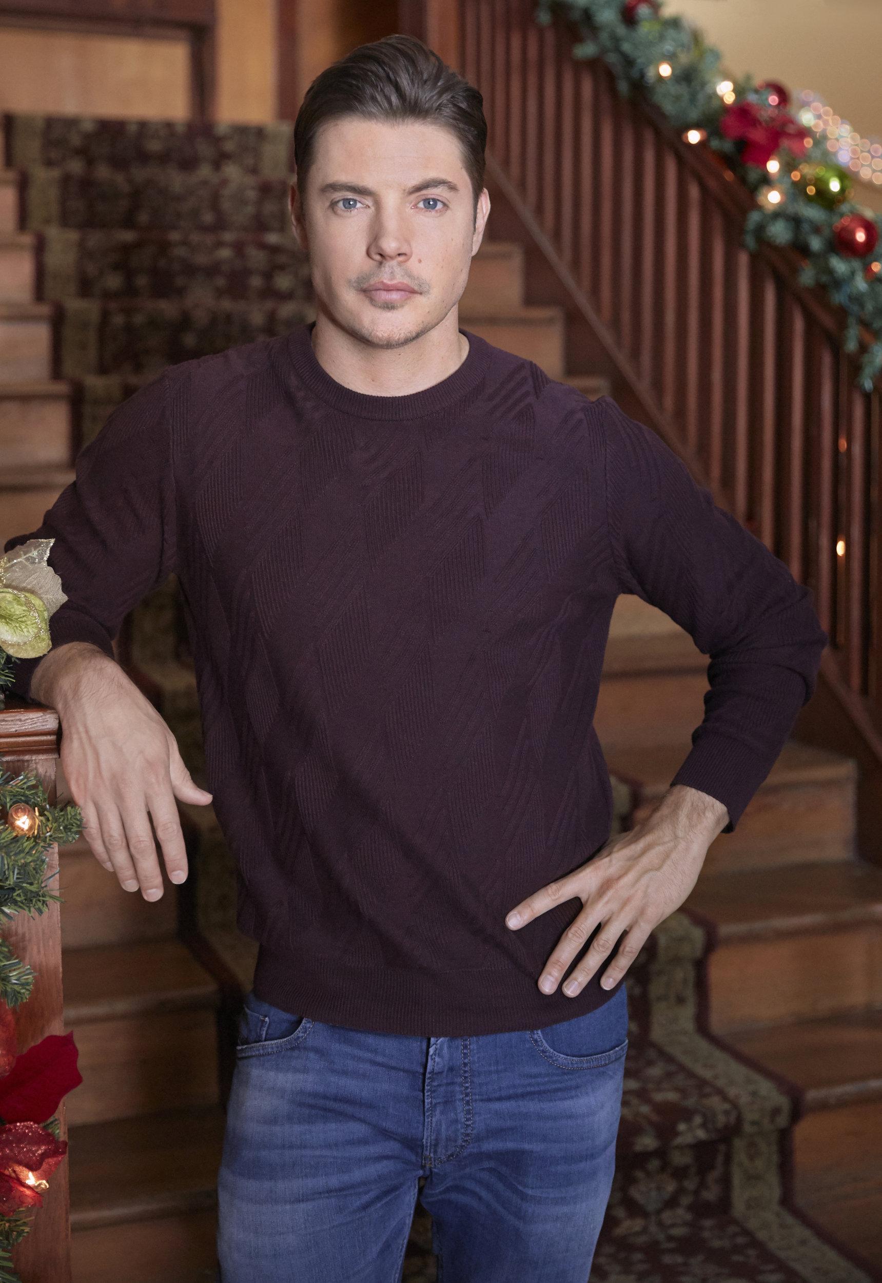 Time For Me To Come Home For Christmas.Josh Henderson As Heath On Time For Me To Come Home For