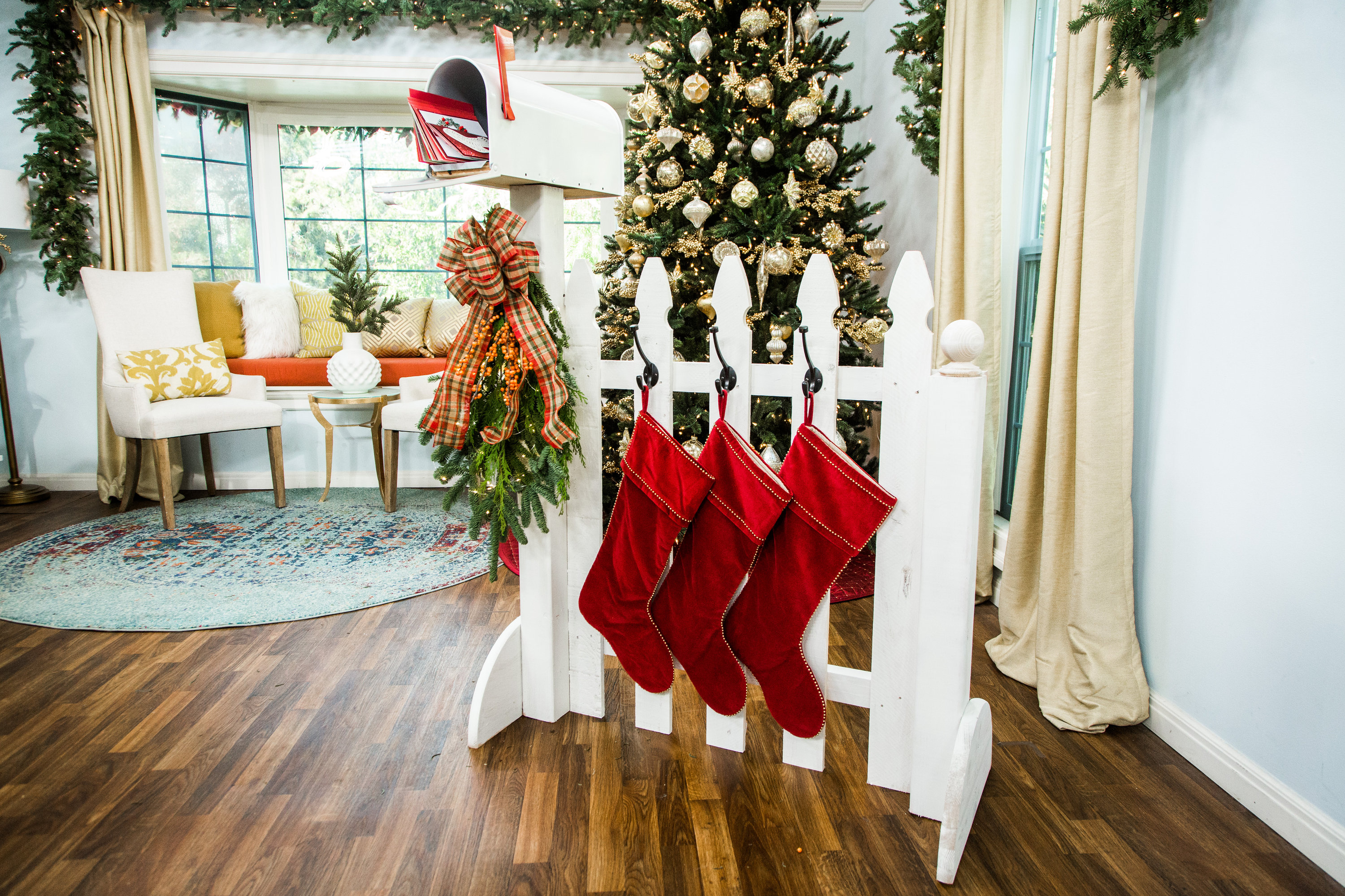 How To Diy Fence Stocking Holder Hallmark Channel
