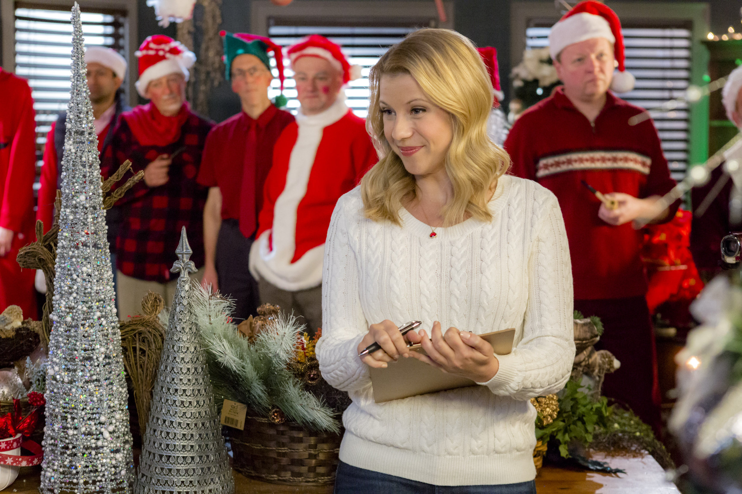 Jodie Sweetin on Finding Santa | Hallmark Channel