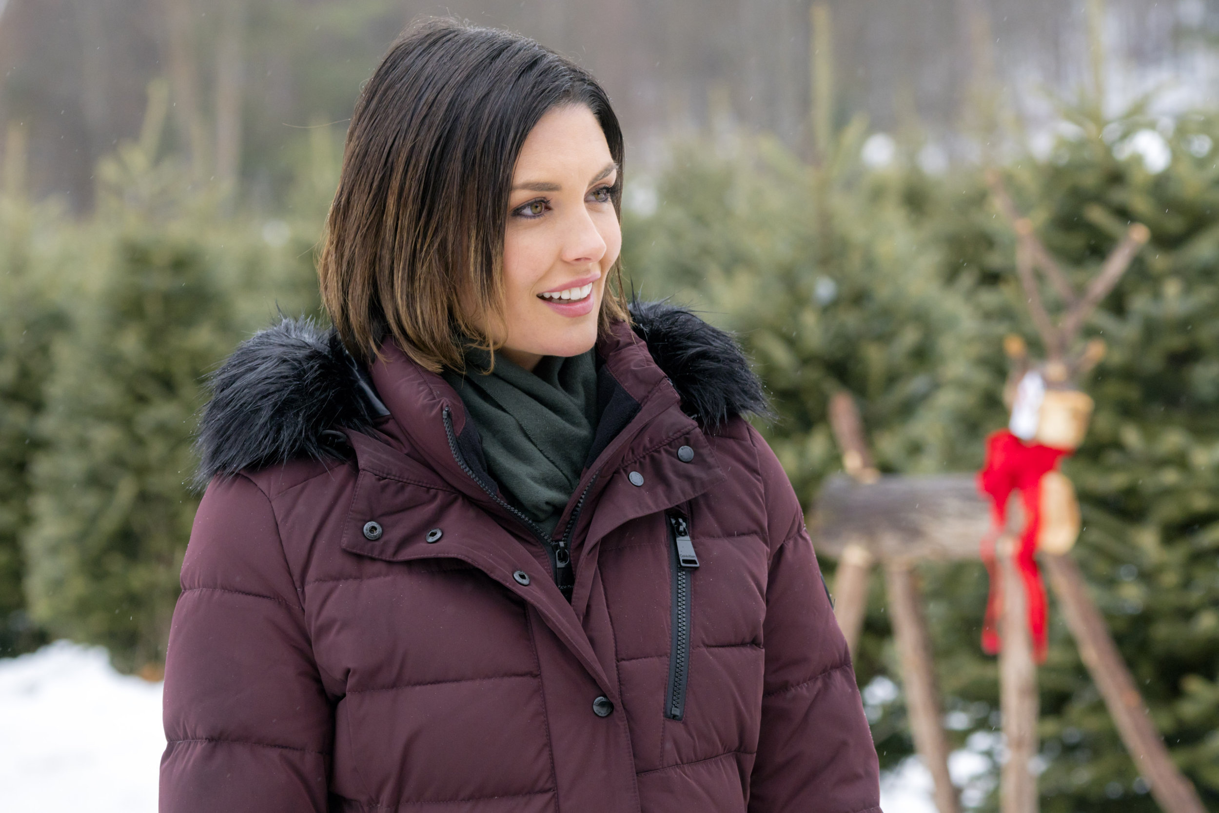 Christmas Festival Of Ice.Taylor Cole As Emma On Christmas Festival Of Ice Hallmark