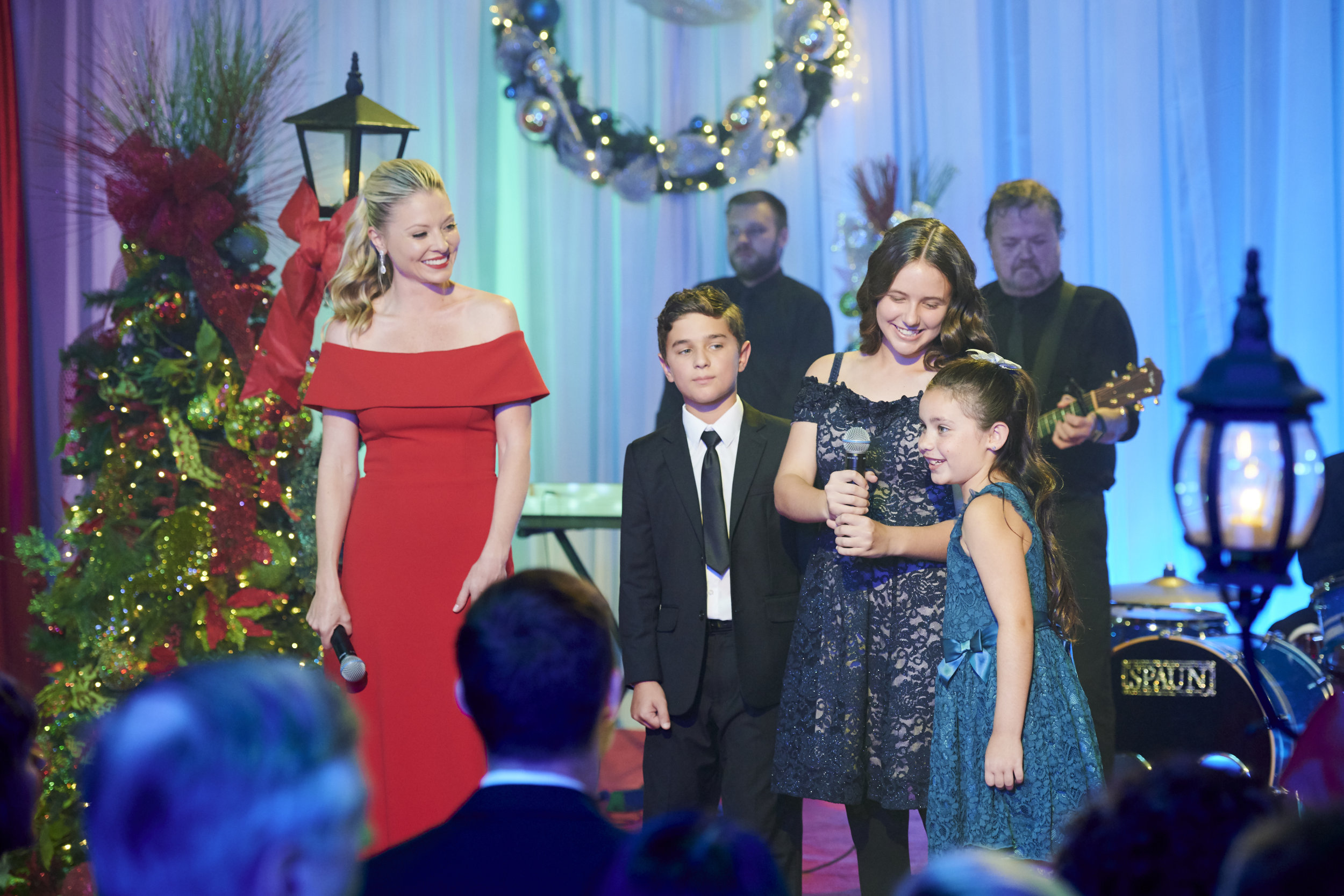 Christmas at Graceland: Home for the Holidays - New 2019: | Hallmark Channel