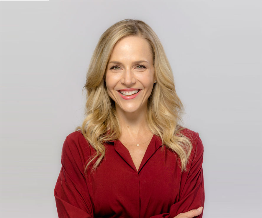 Christmas Homecoming Cast.Julie Benz As Amanda On Christmas Homecoming Hallmark