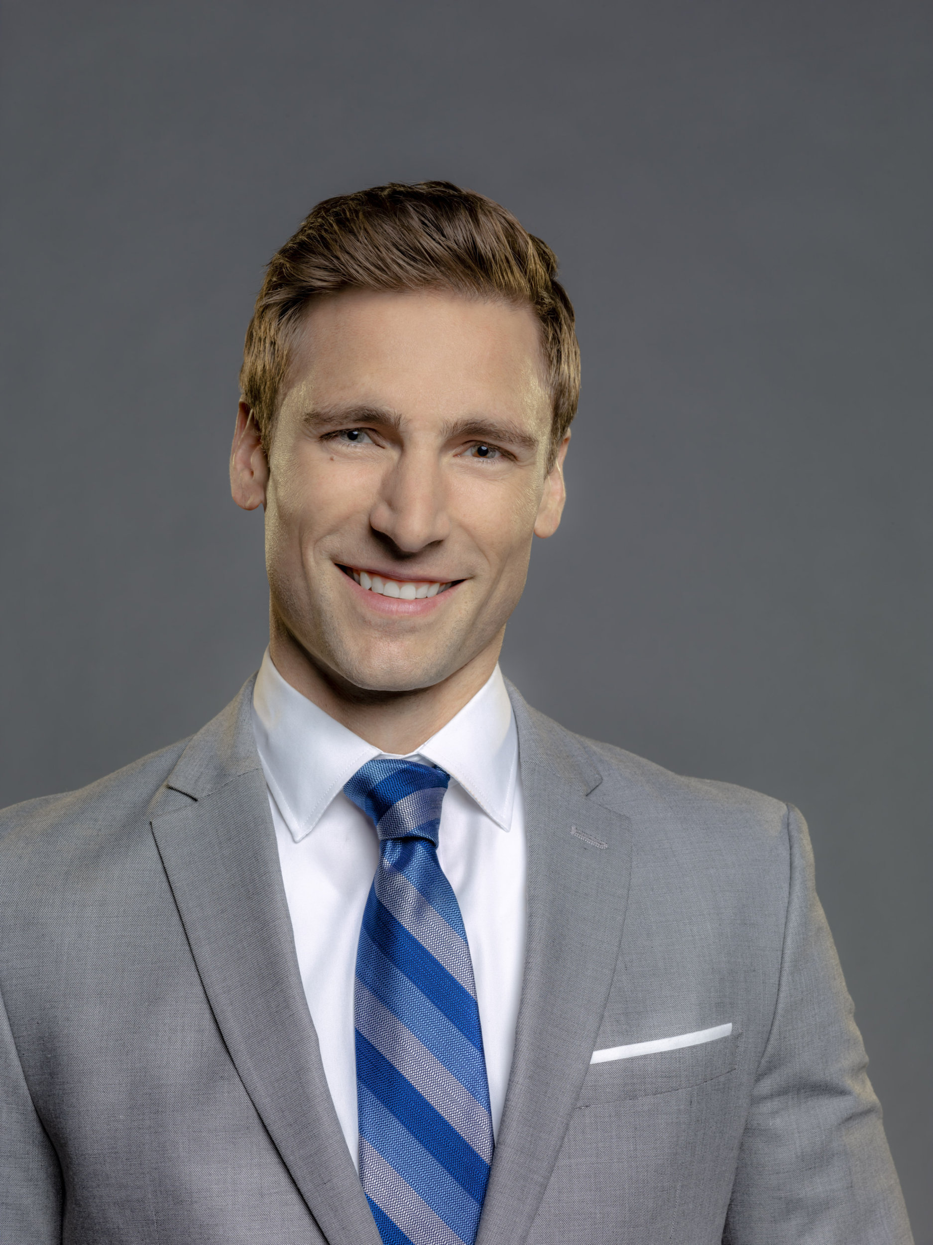 Andrew Walker Snowed Inn Christmas.Andrew Walker As Rob Atwell On Wedding March 4 Something