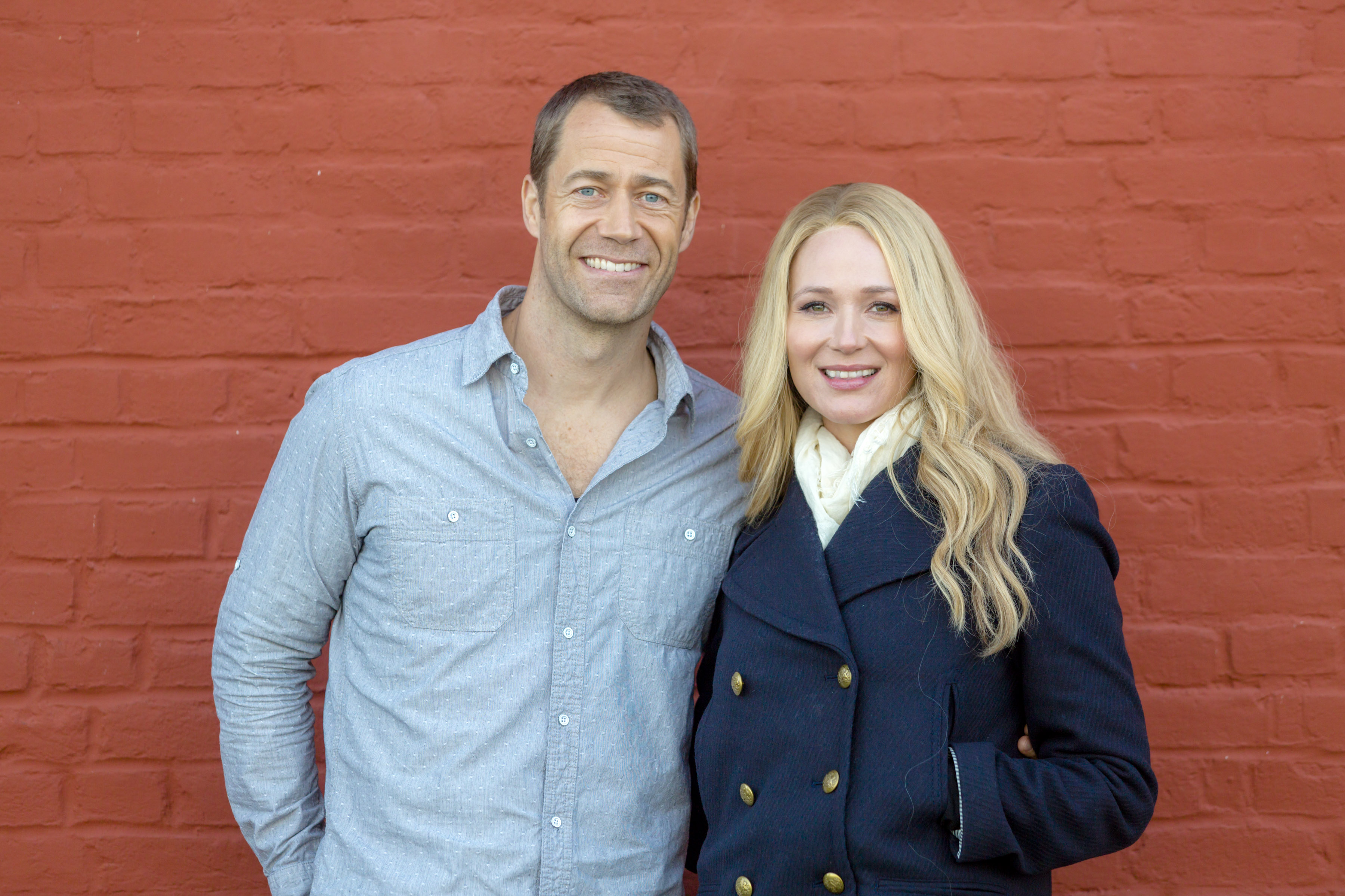 video fixer upper mysteries framed for murder index page hallmark movies and mysteries. Black Bedroom Furniture Sets. Home Design Ideas