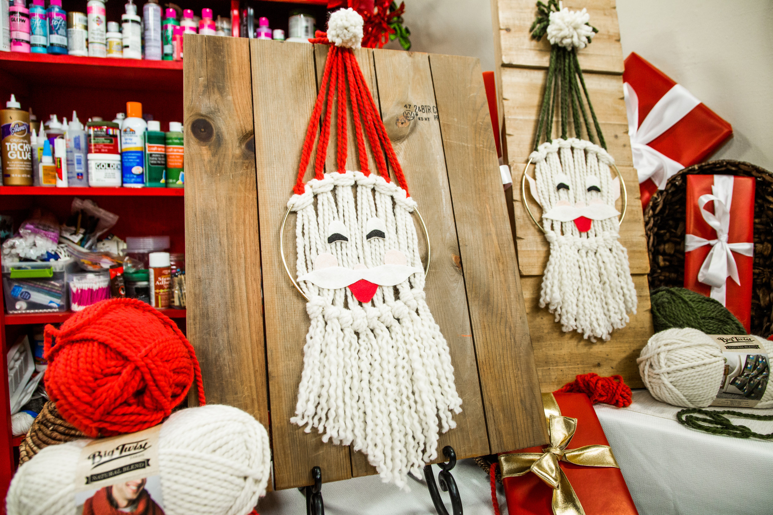 Diy Santa Wall Hanging Home Amp Family Hallmark Channel