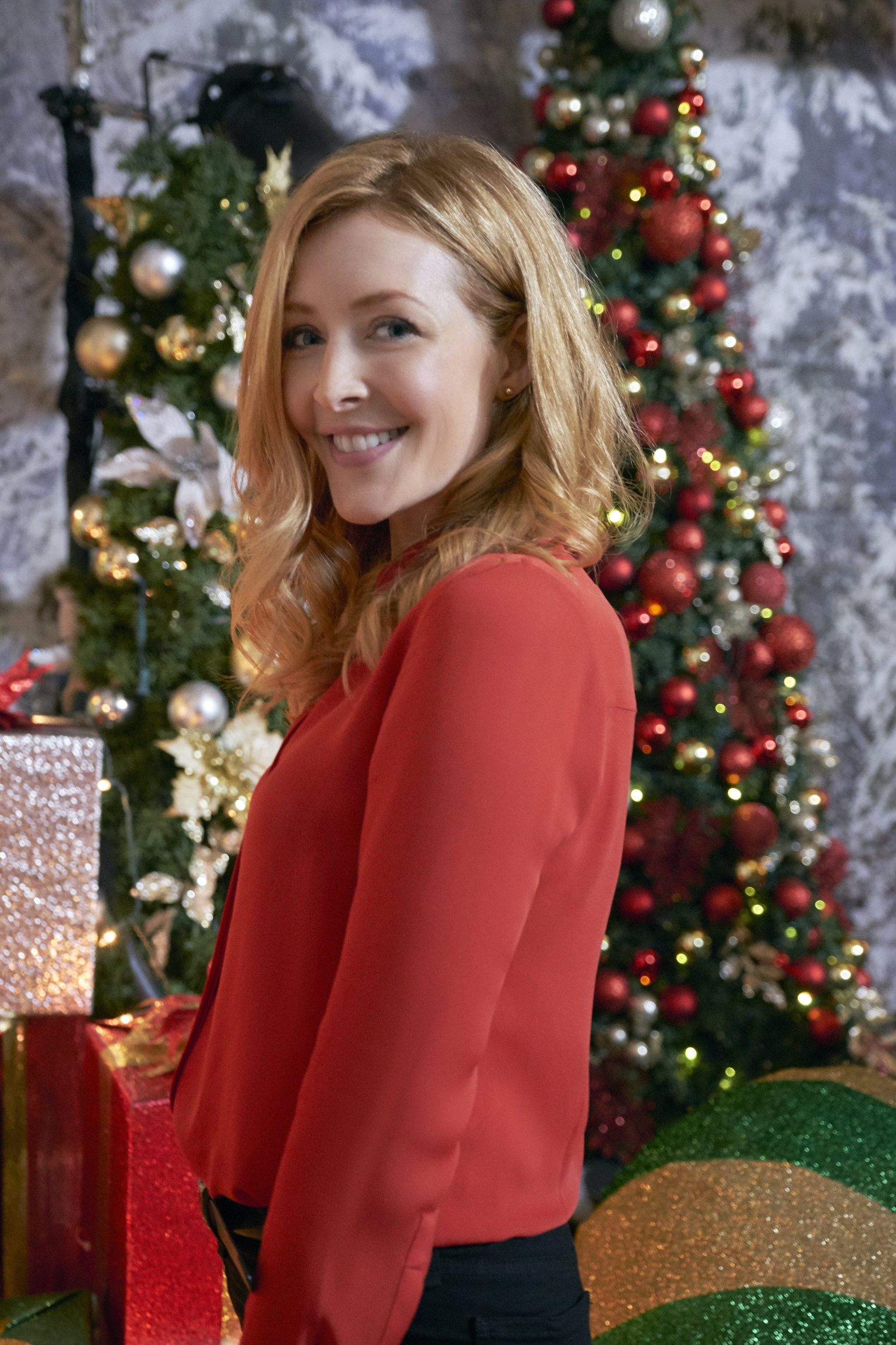 Welcome To Christmas.Jennifer Finnigan As Madison On Welcome To Christmas