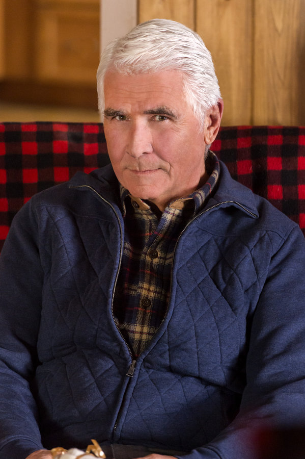 Christmas With Tucker.James Brolin Cast Christmas With Tucker Hallmark Movies