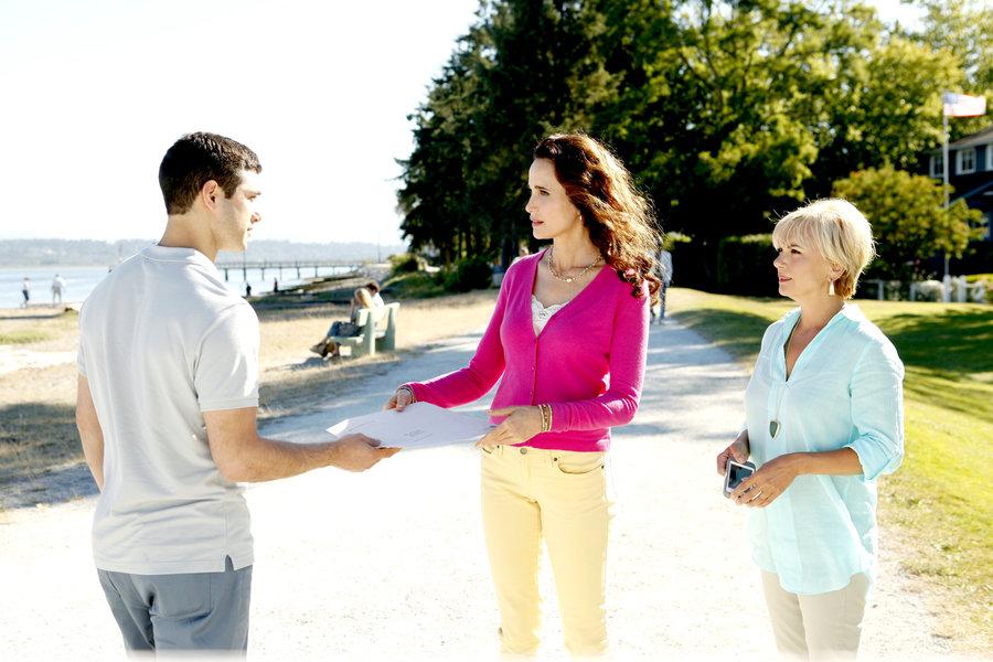 Photos - Cedar Cove - Season 1 - Episode 9   Hallmark Channel