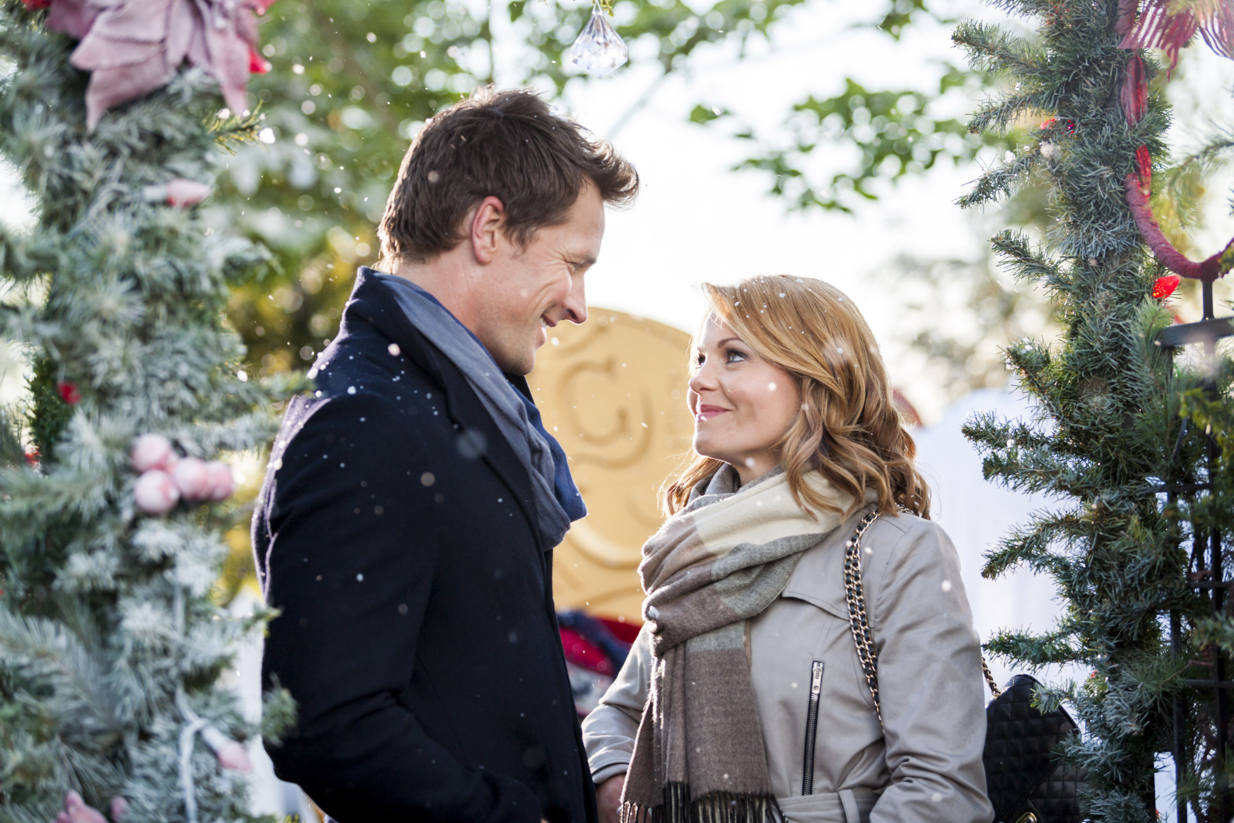 Video - A Christmas Detour | Hallmark Channel