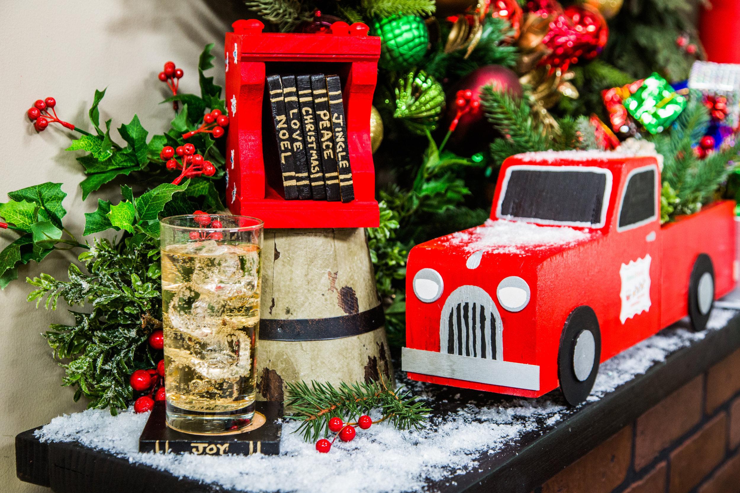 Diy Christmas Bookcase Coasters