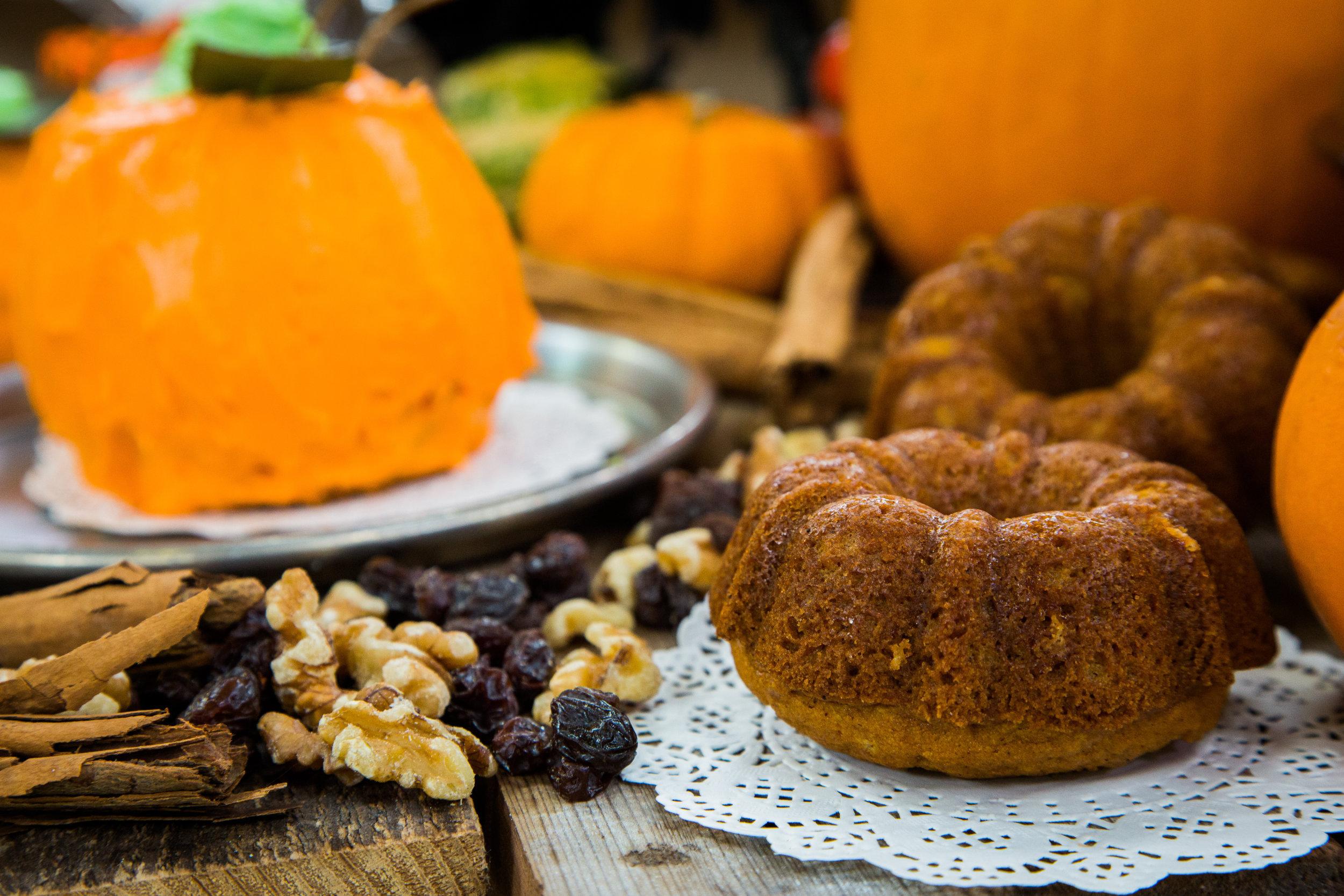 halloween pumpkin bread | home & family | hallmark channel