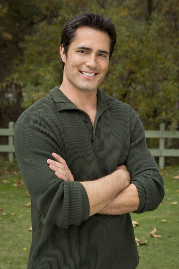 A Harvest Wedding Cast.Victor Webster As Ben On Puppy Love Hallmark Drama