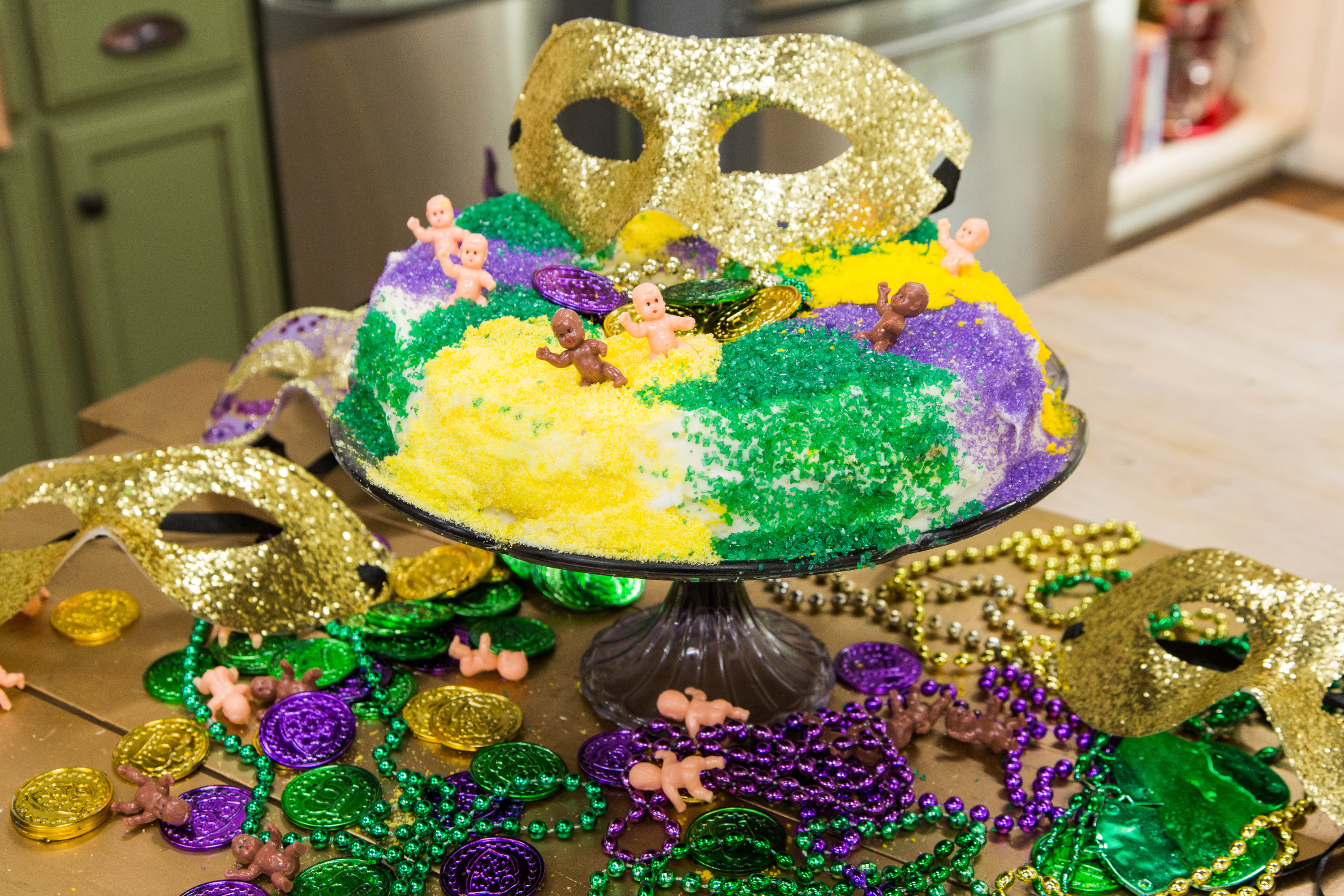 Recipes - Home & Family: Mardi Gras King Cake | Hallmark Channel