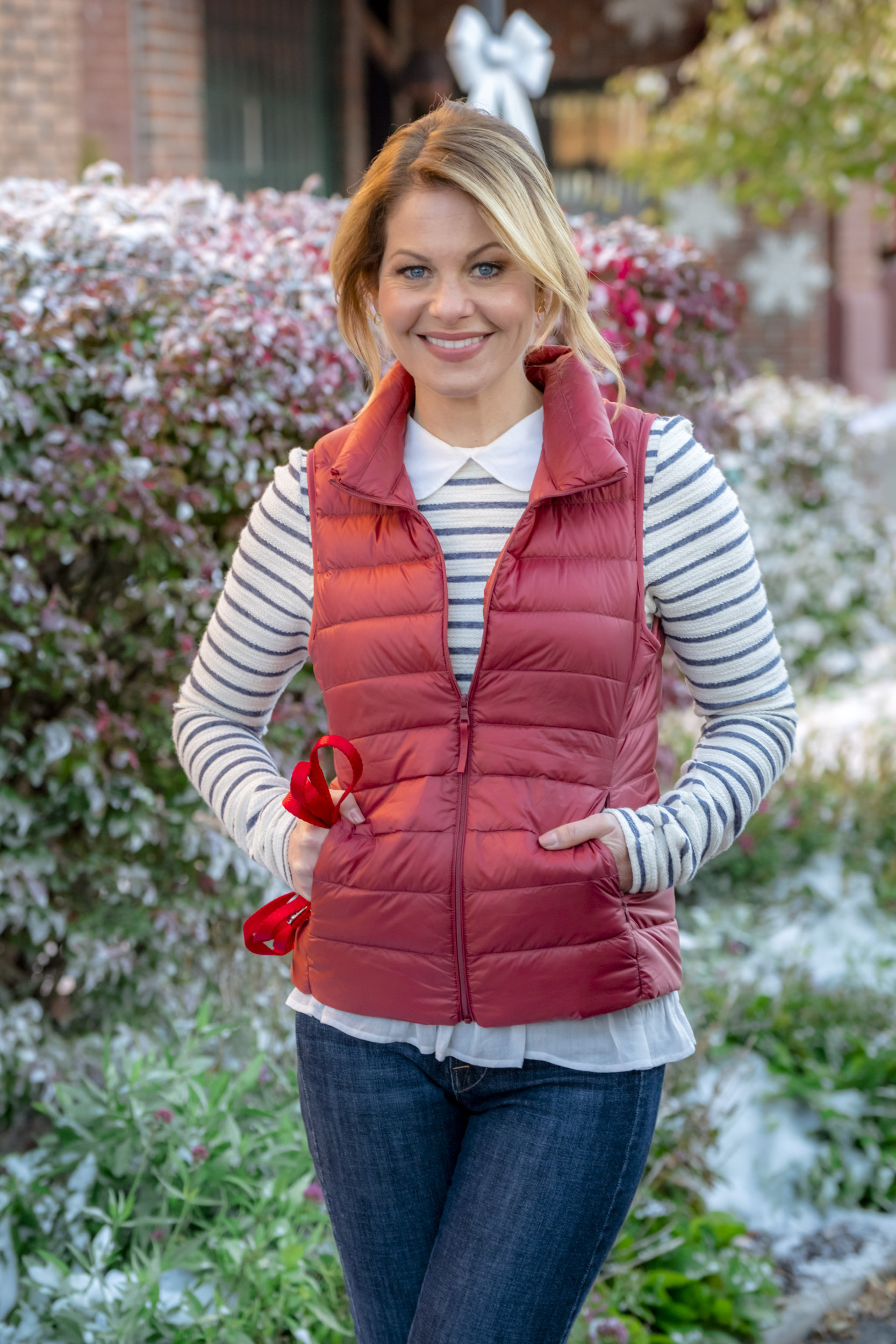 candace cameron bure as katechris lockhart on switched for christmas hallmark channel - Finding John Christmas Cast