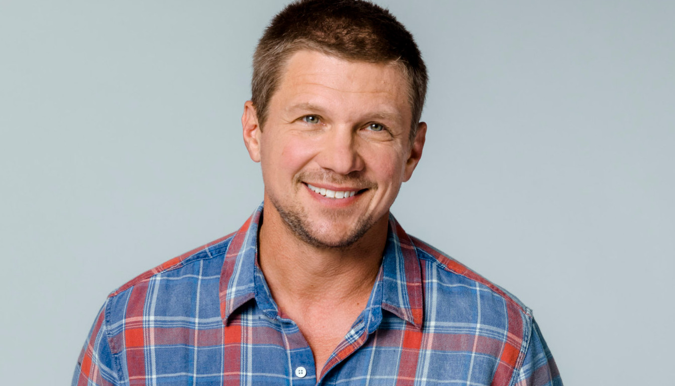 Miss Christmas Cast.Marc Blucas As Sam Mcnary On Miss Christmas Hallmark Channel