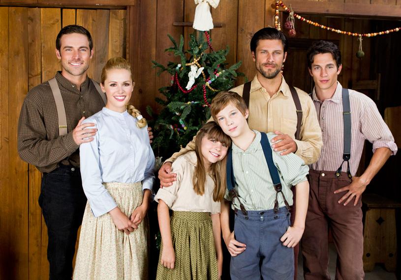Journey Back To Christmas Cast.Love S Christmas Journey Hallmark Drama