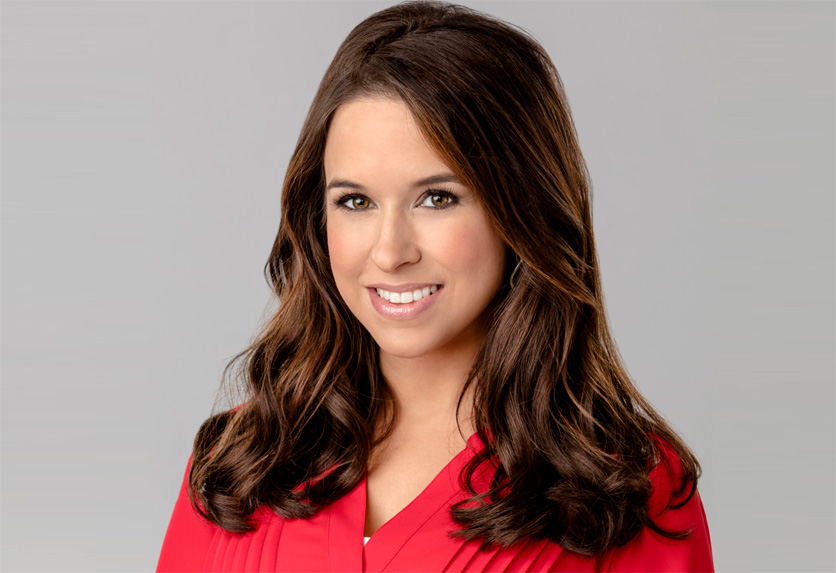 A Wish For Christmas Cast.Lacey Chabert As Sara Shaw On A Wish For Christmas