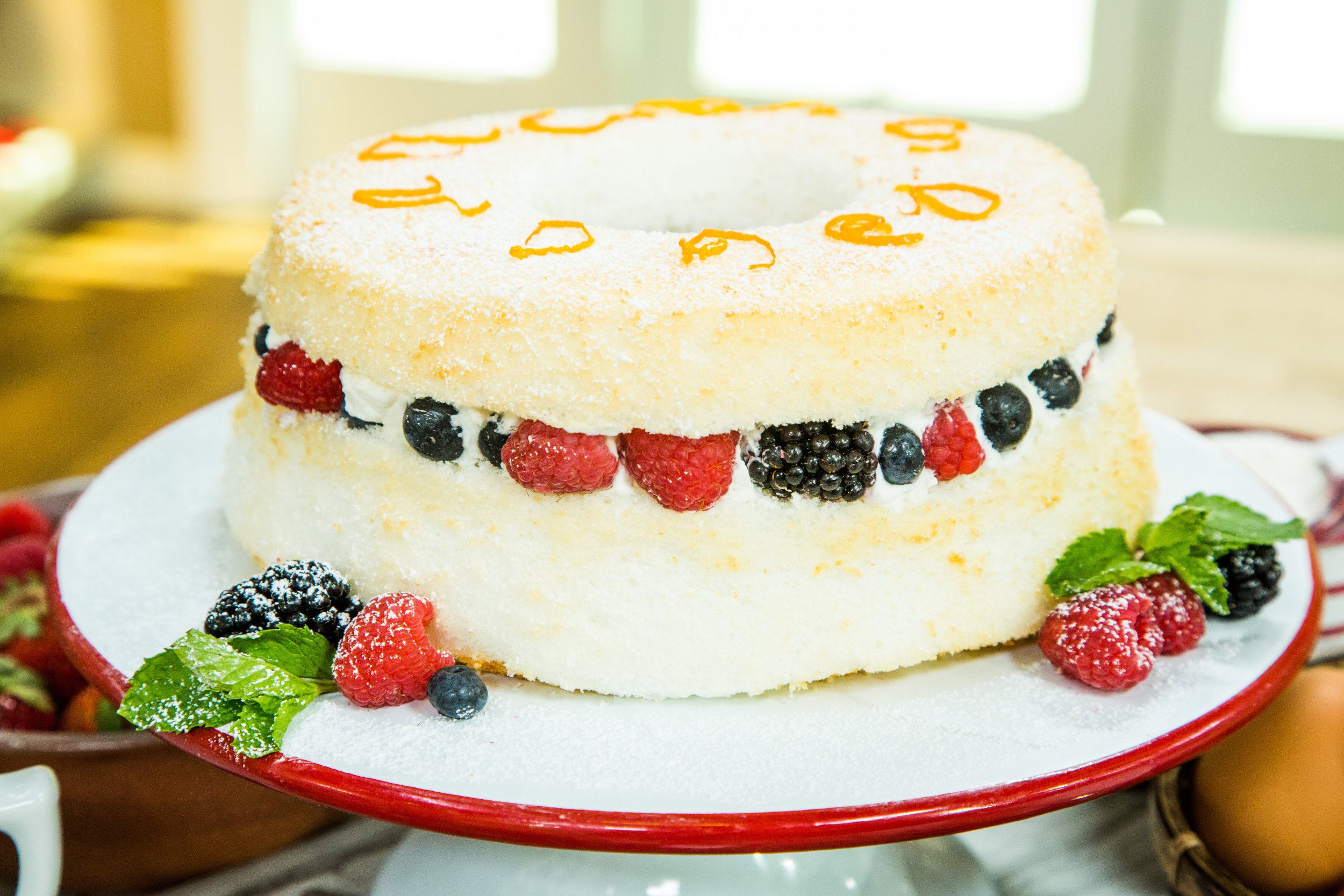 Recipe Angel Food Cake With Whipped Cream And Berries Home