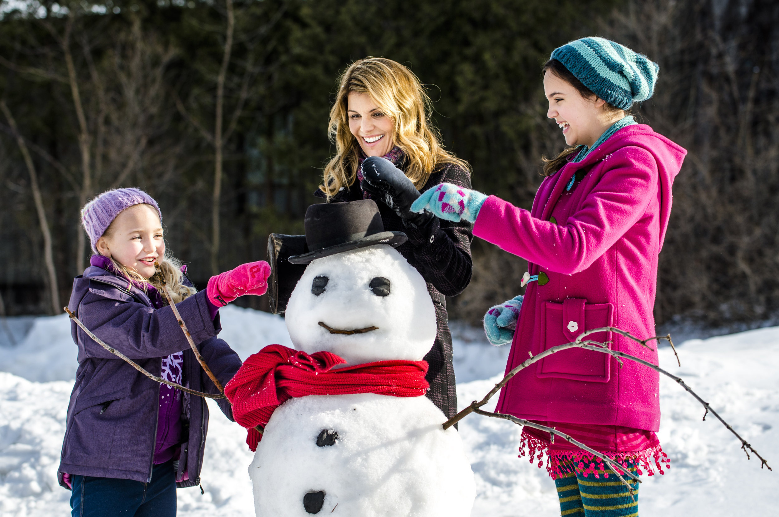 Cast - Northpole: Open for Christmas | Hallmark Movies and Mysteries
