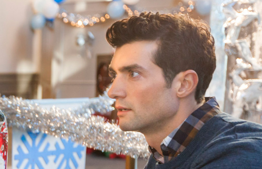 Ice Sculpture Christmas.David Alpay As David Manning On Ice Sculpture Christmas